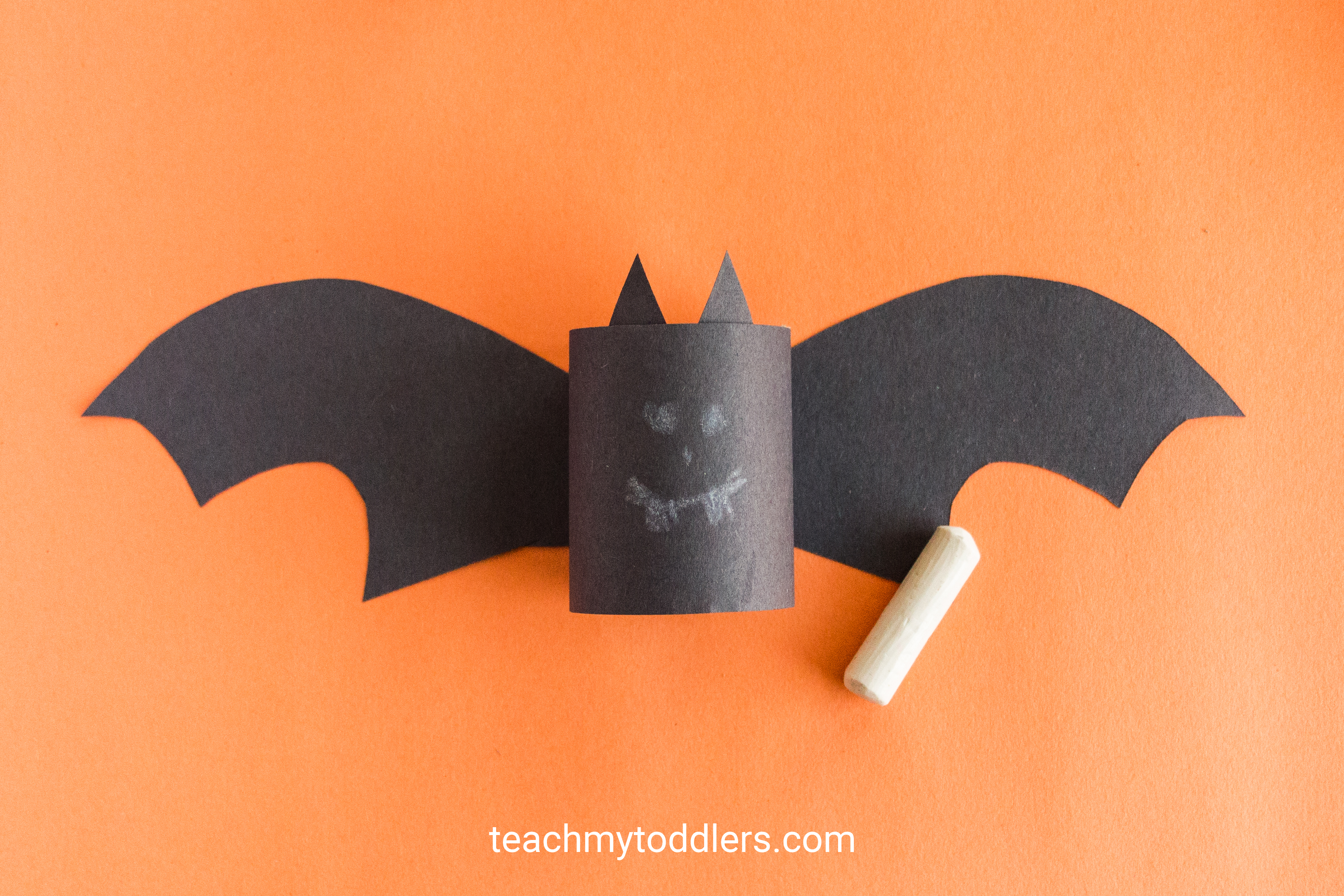 Learn how to make this paper bat craft for toddler's halloween activity