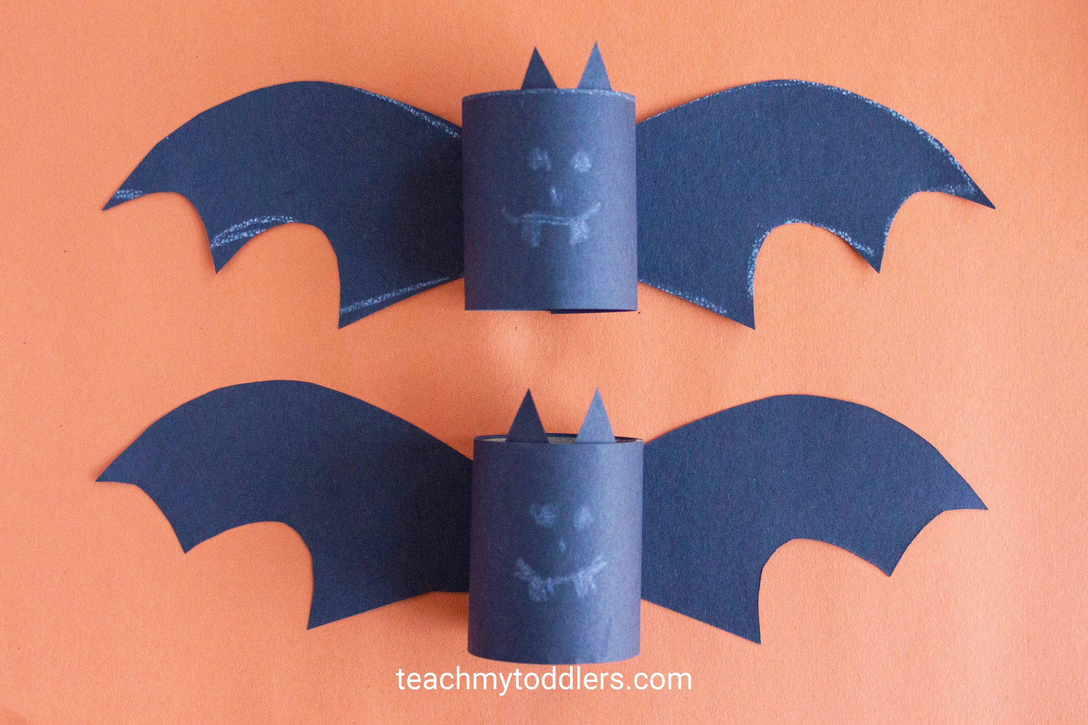 Learn how to make this paper bat craft for your toddler's halloween activity