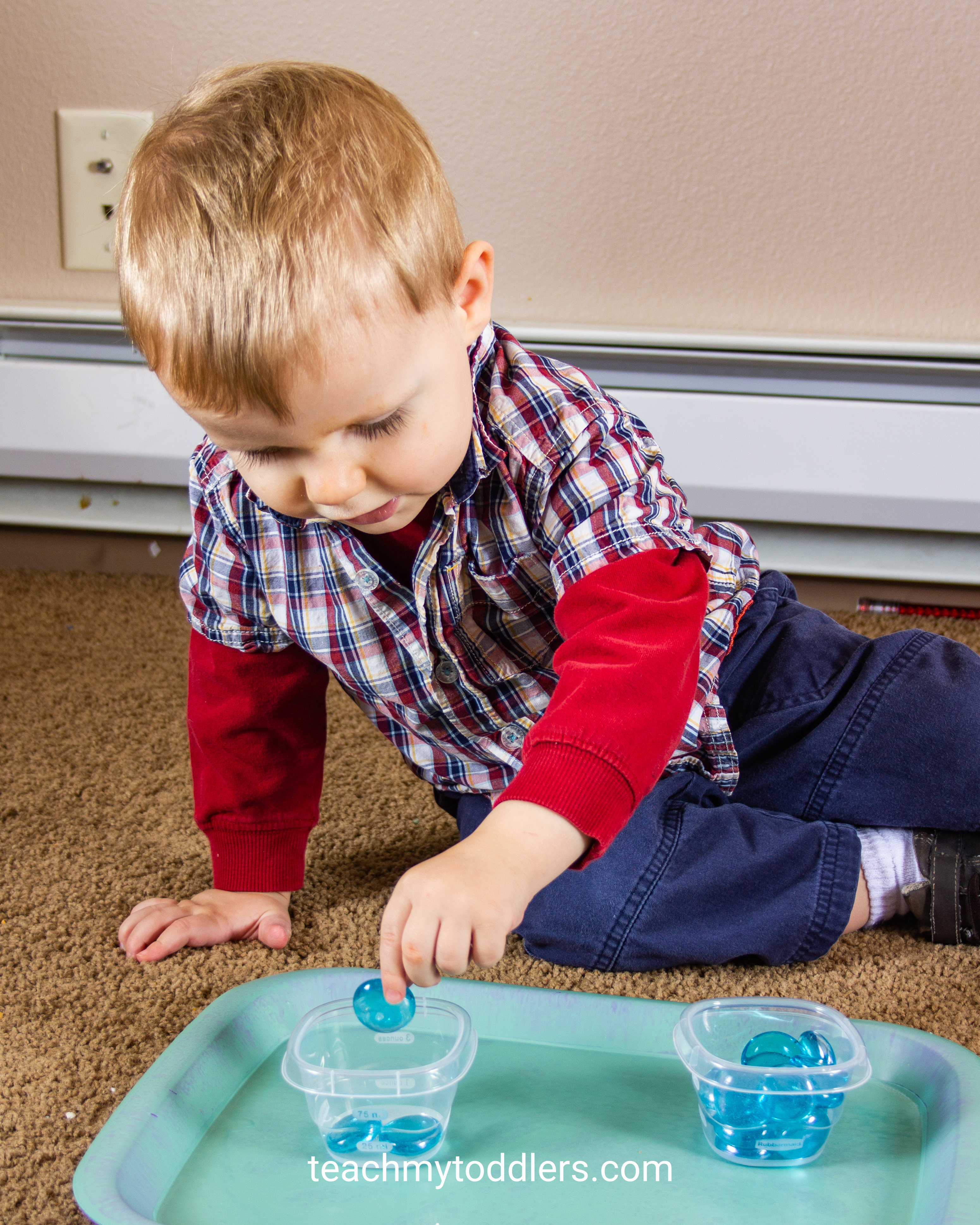 Use these fun winter activities to teach toddlers about winter