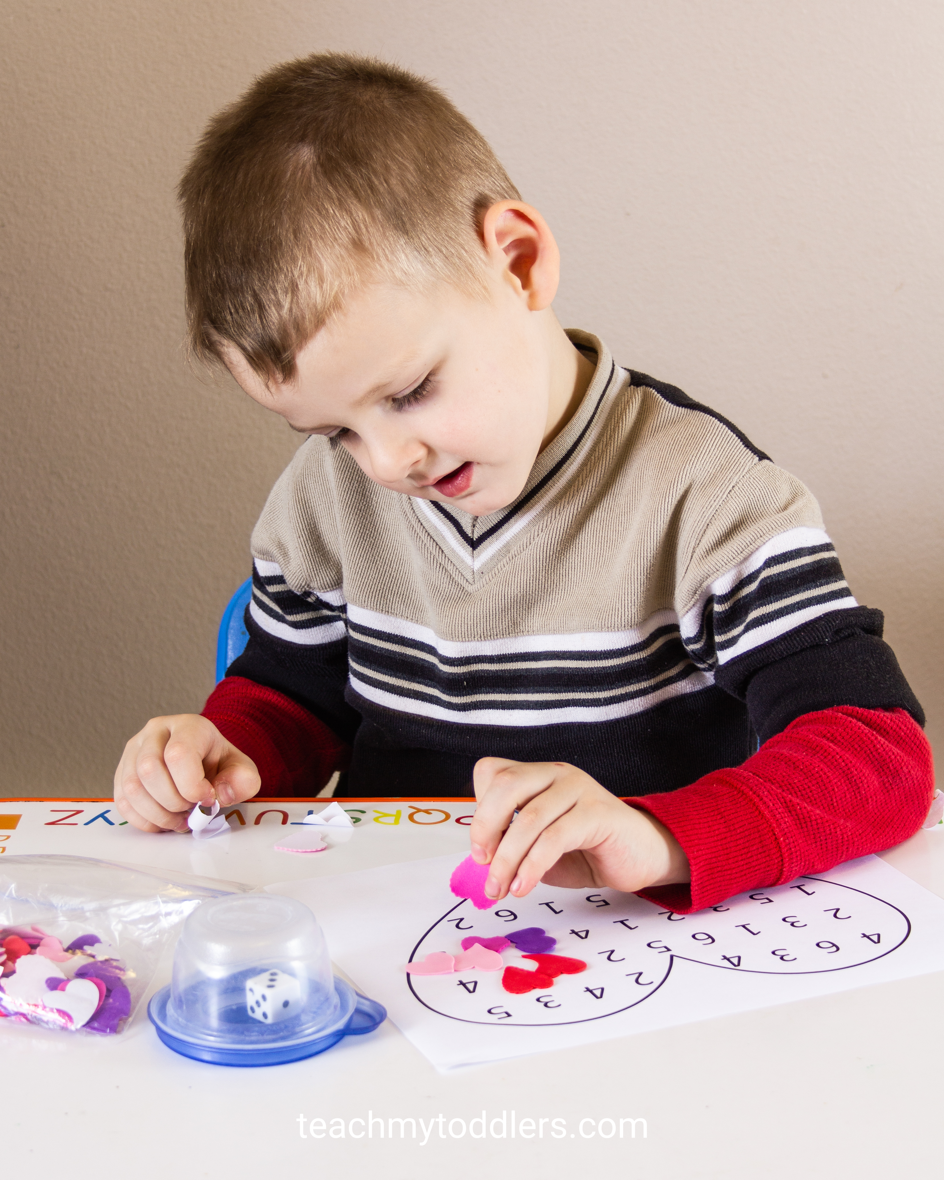 Learn when to teach letters, numbers, colors and shapes to your preschoolers