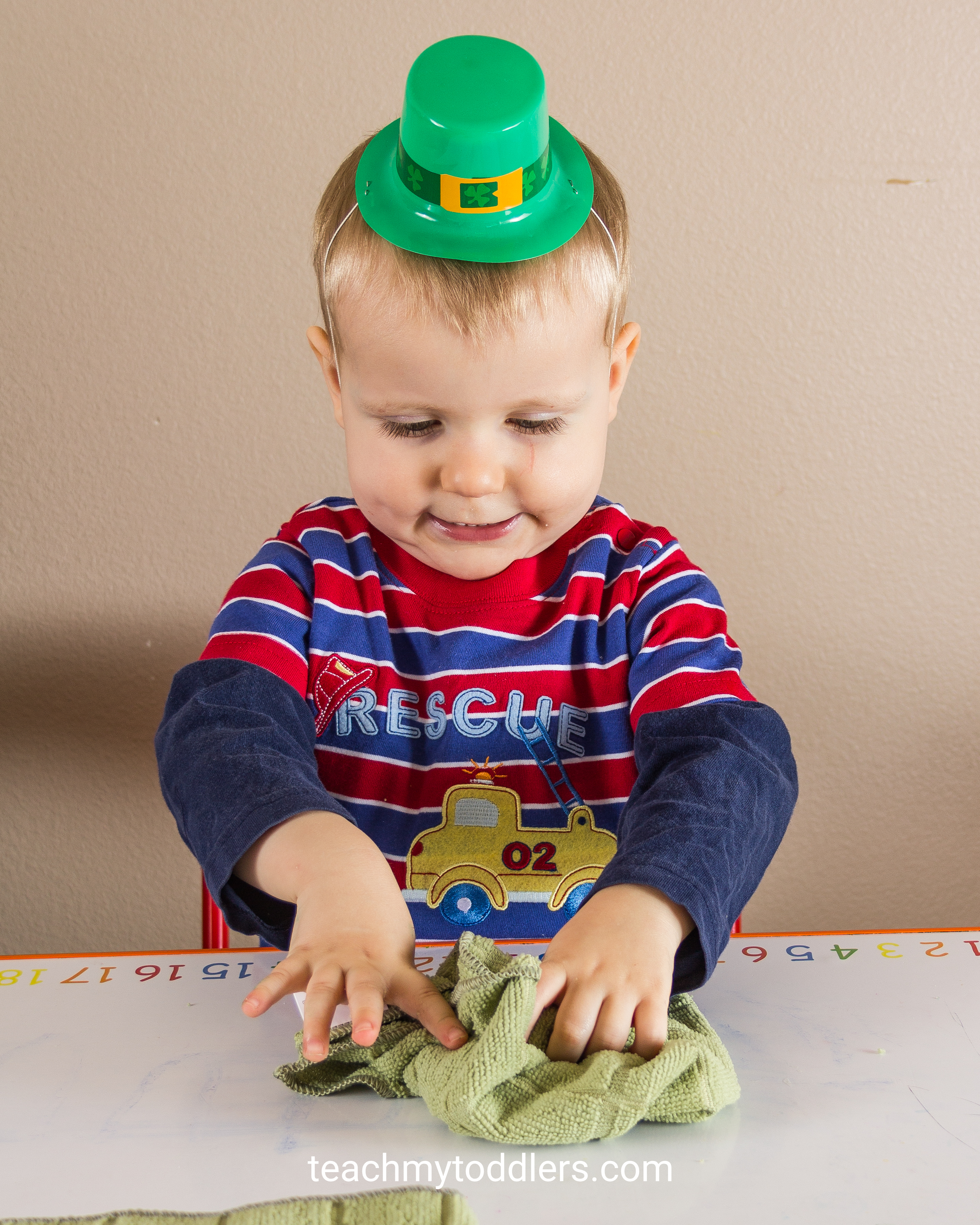 Use these great St. Patrick's Day activities to teach your toddlers about st. patrick's day