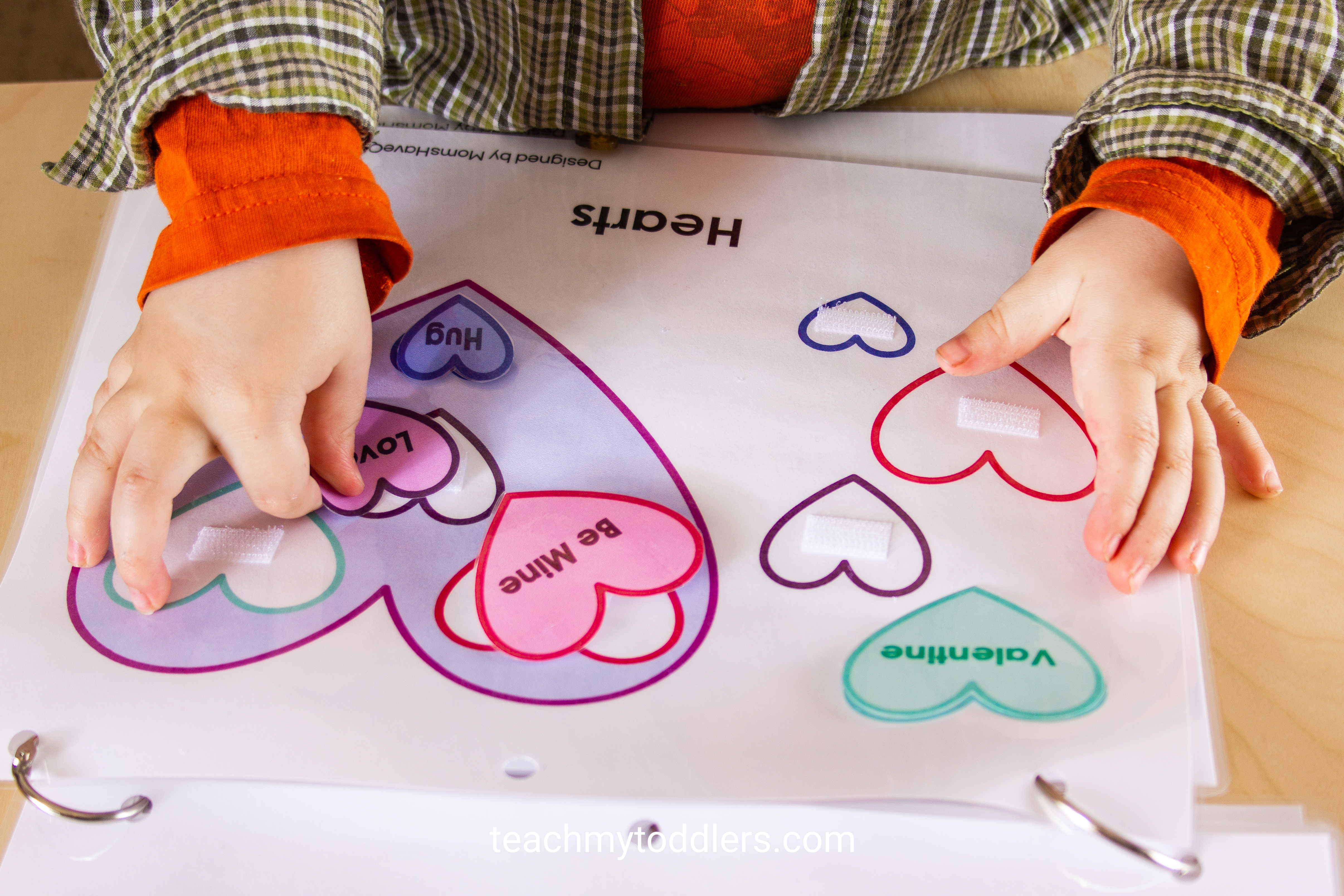 Find out how to use this shapes quiet book to teach your toddlers shapes