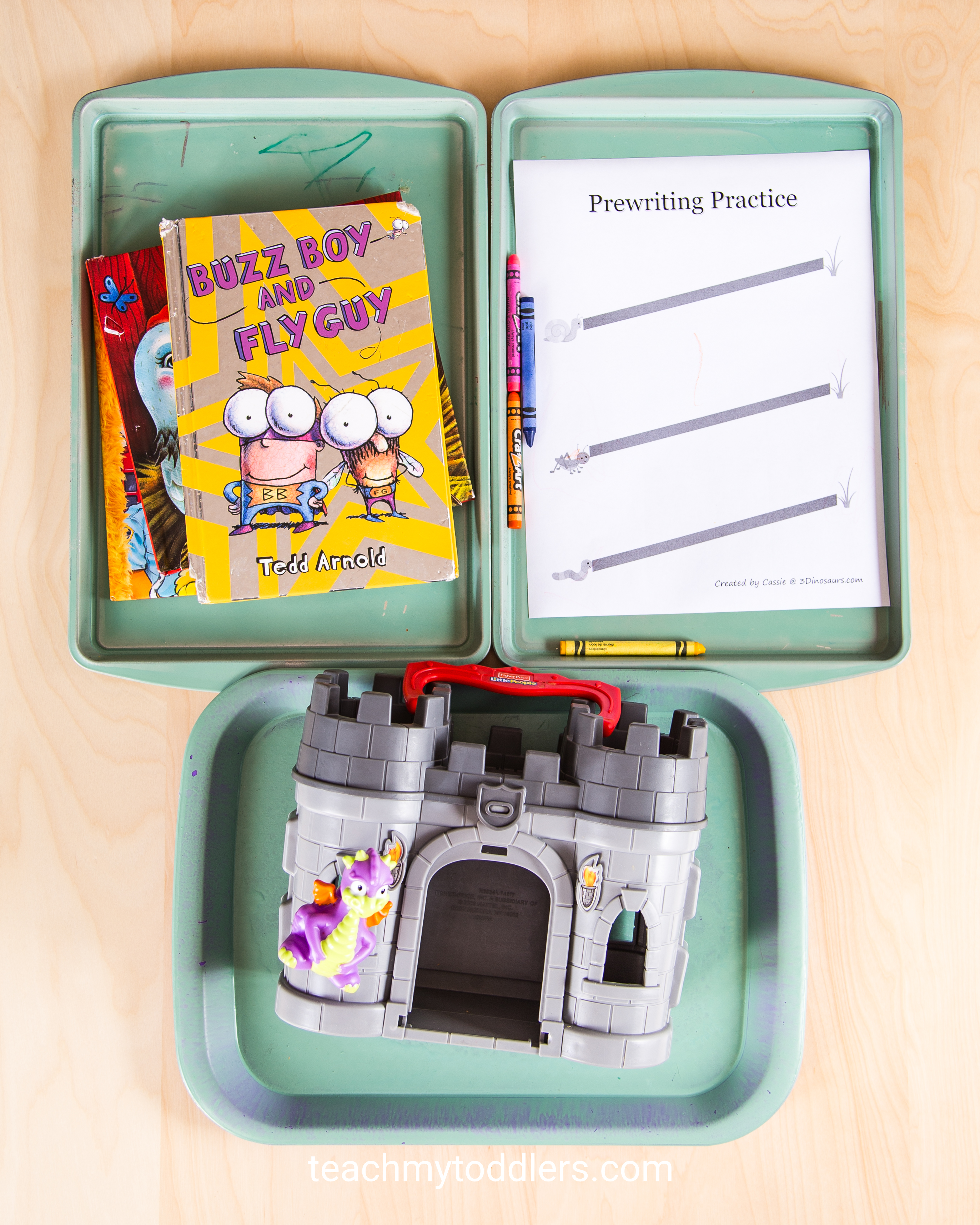 Discover how to use these fun bug trays to teach your toddlers about bugs
