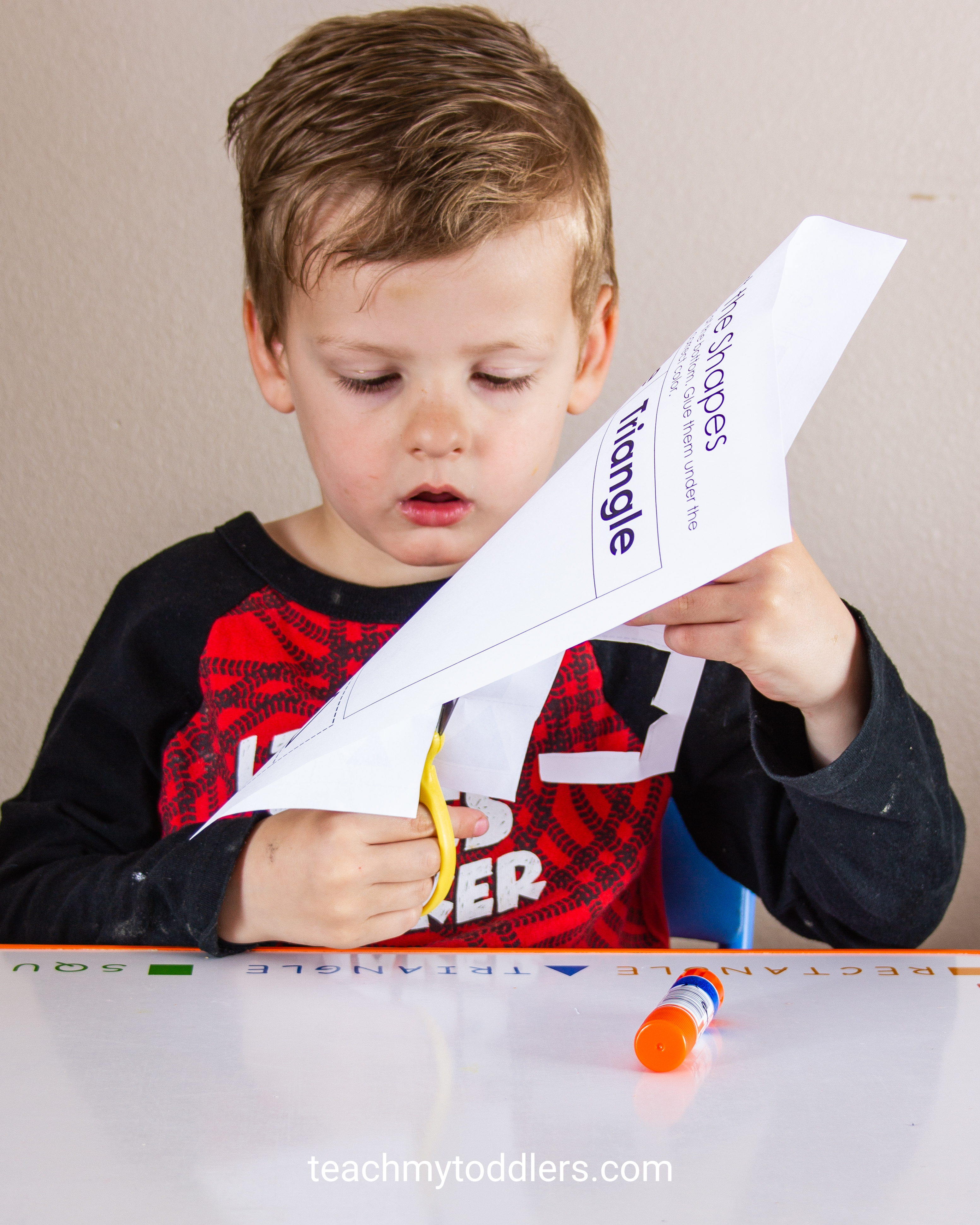 Discover how to use this shape sorting cut and paste activity to teach preschoolers shapes