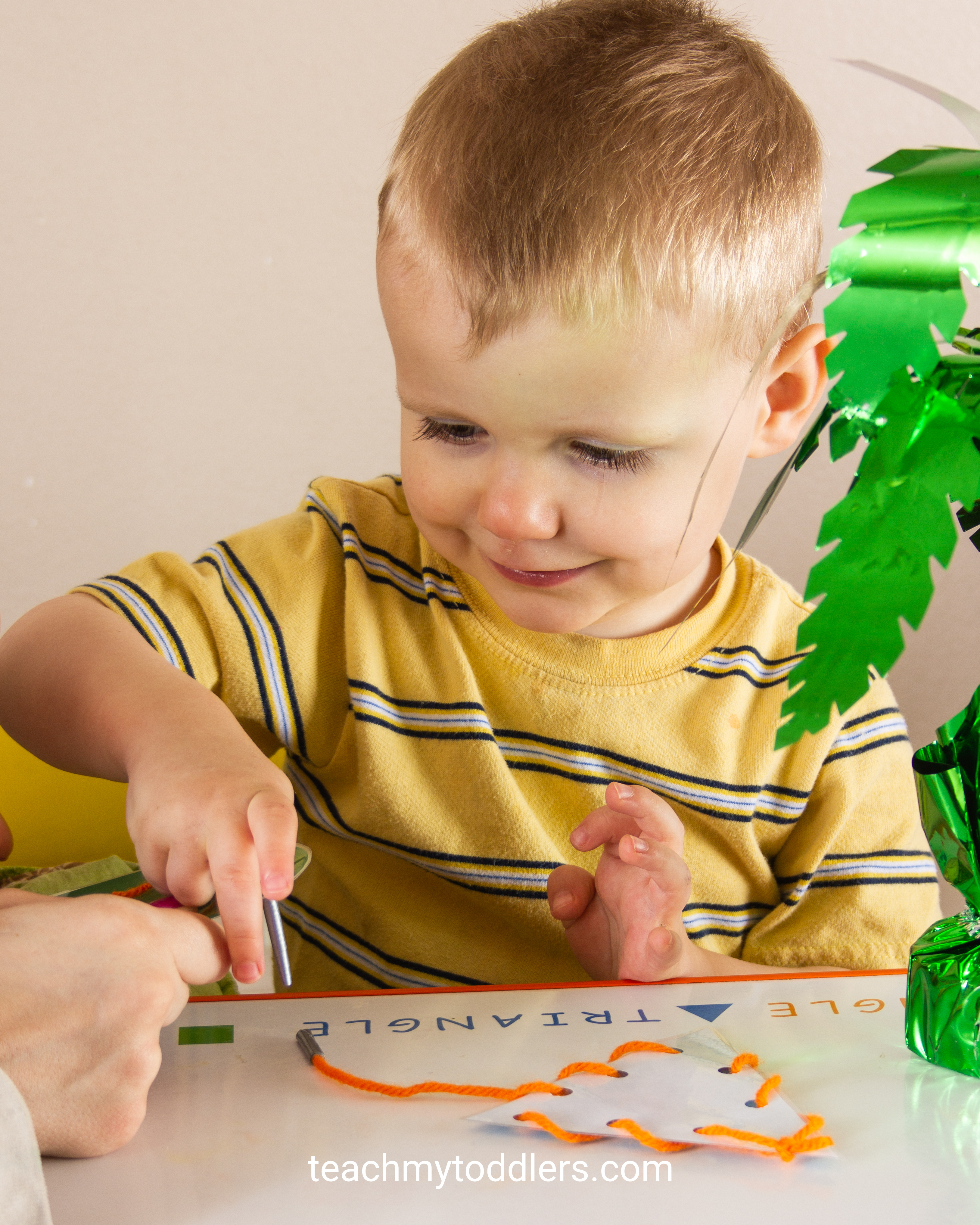 Find out how to use these lacing cards to teach your toddlers shapes
