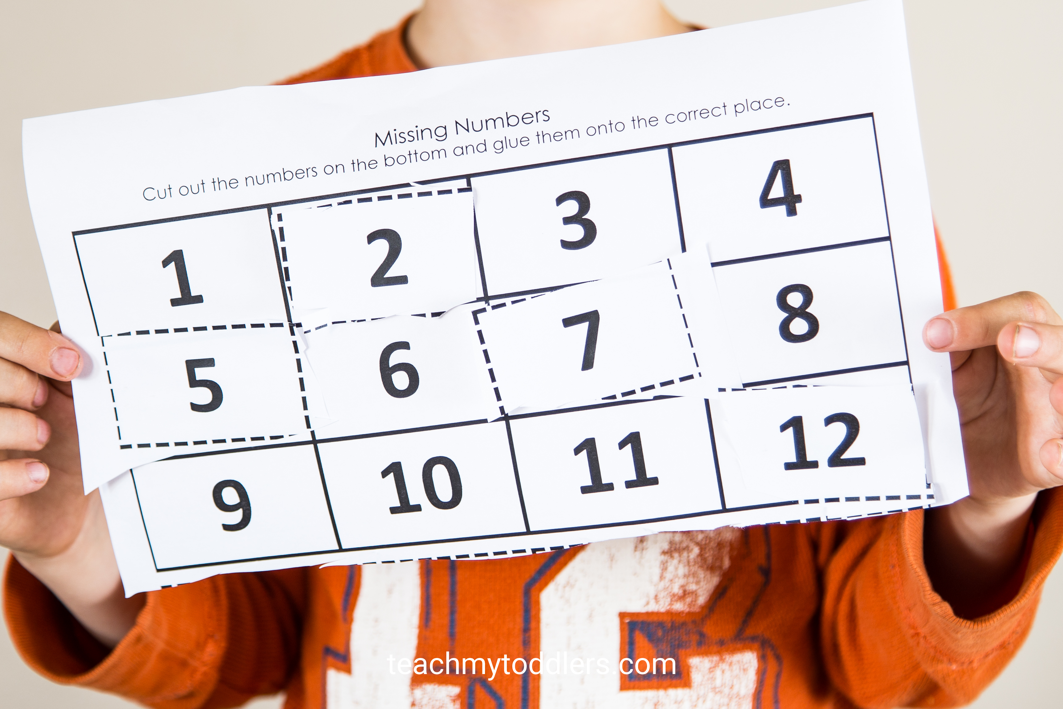 Find out how to use this missing numbers activity to teach your preschoolers numbers