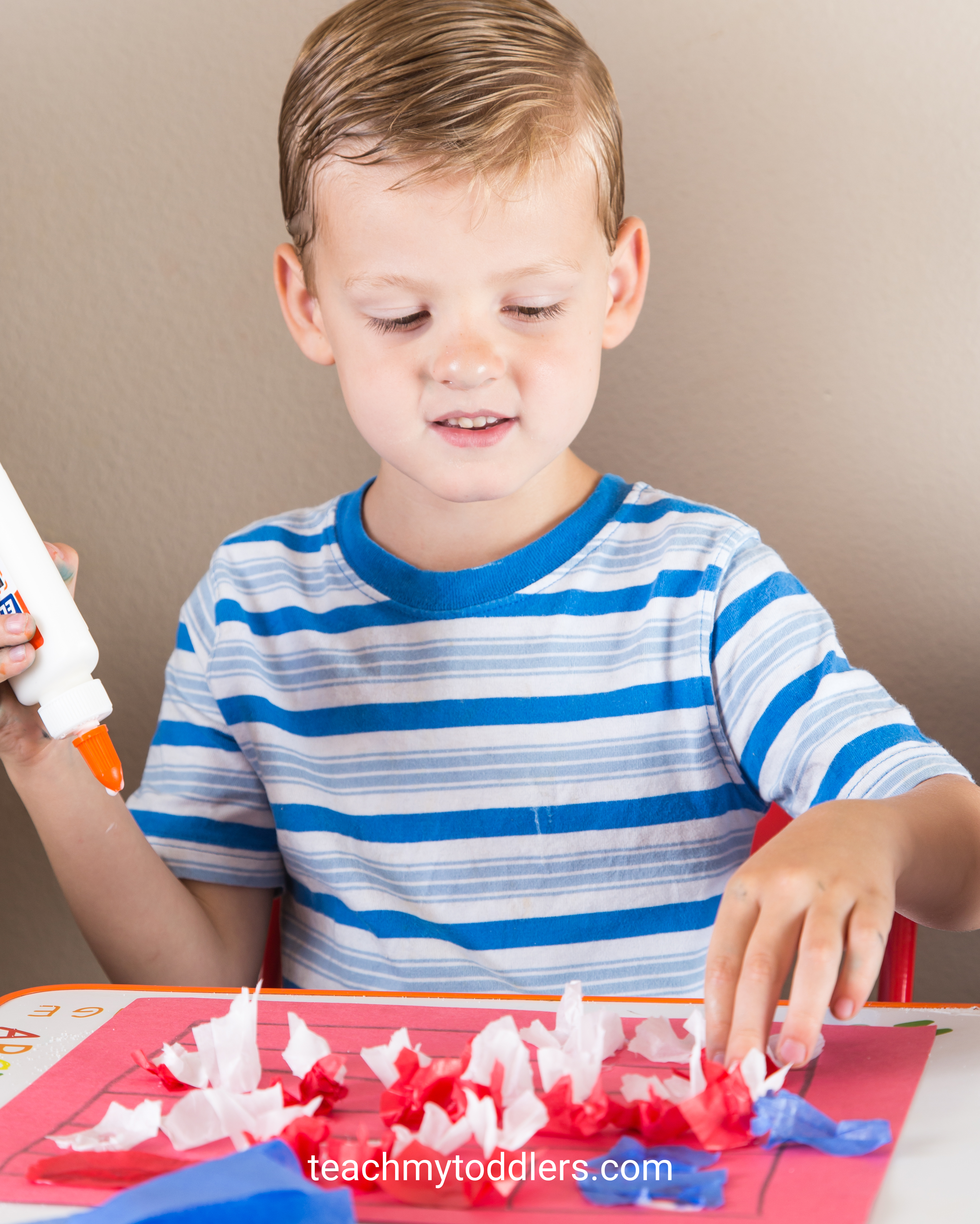 Discover how to use these red, white and blue crafts to teach toddlers about the 4th of july