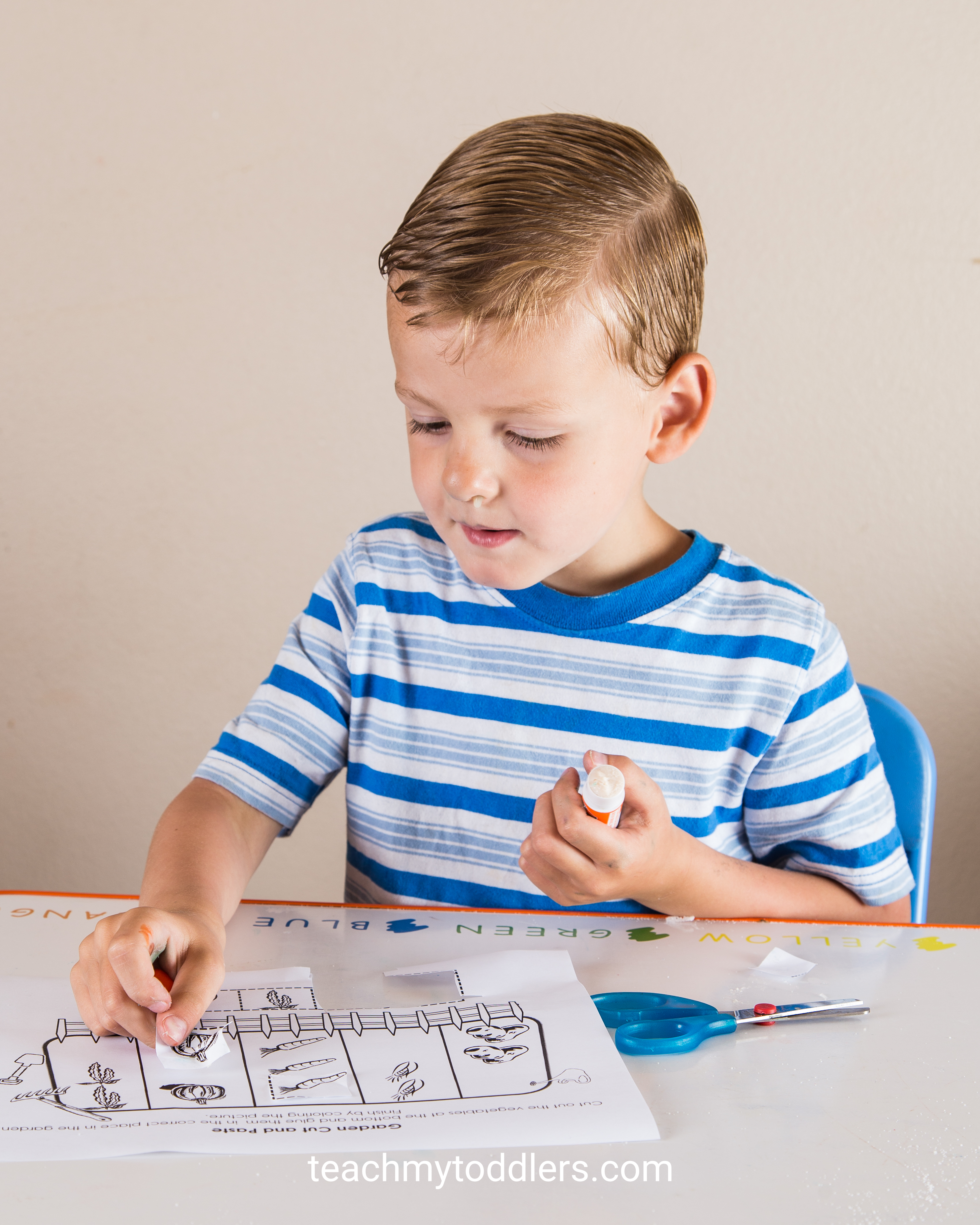 Find out how to use this garden activity to teach toddlers how to cut and paste
