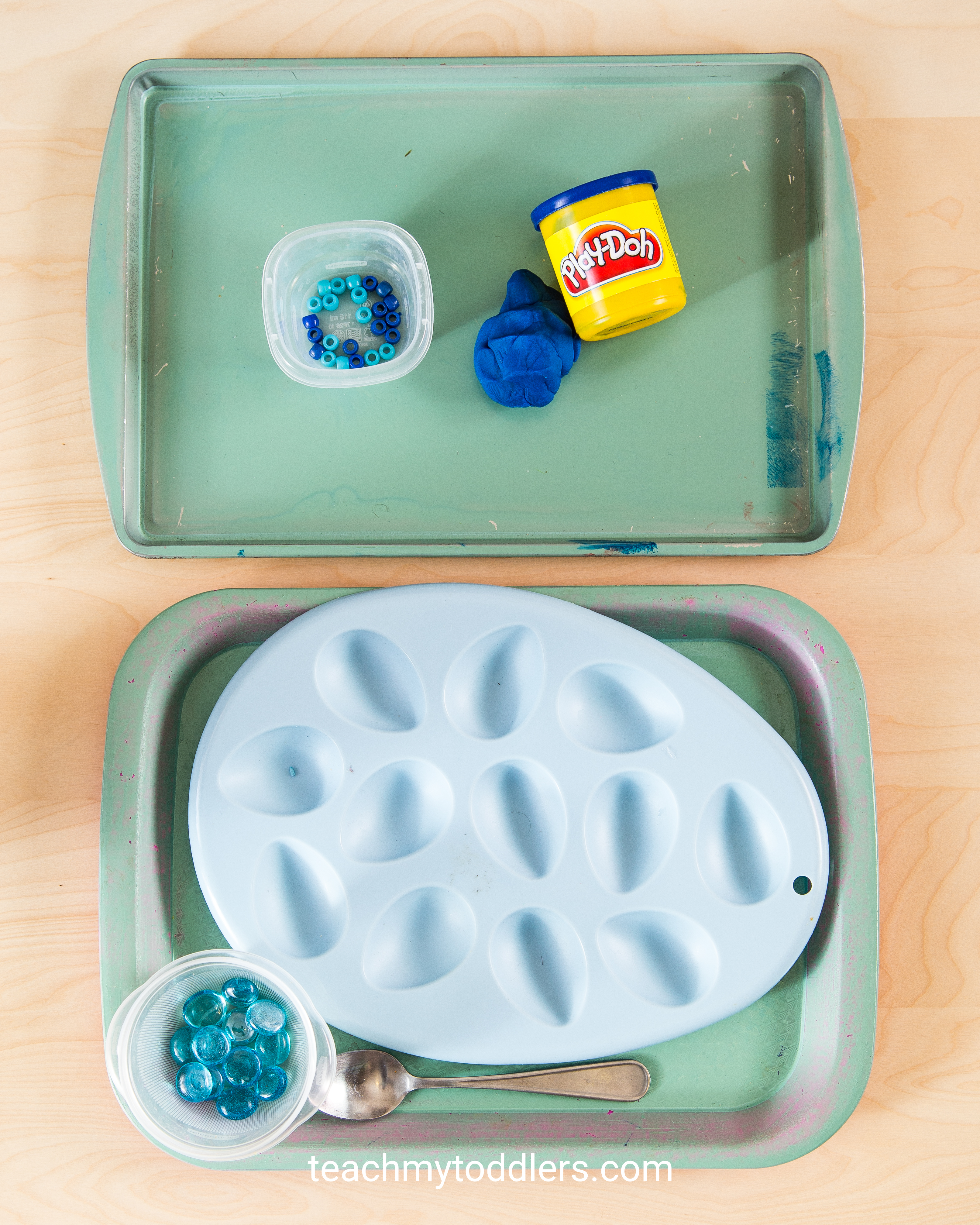 A fun activity to teach your toddler the color blue
