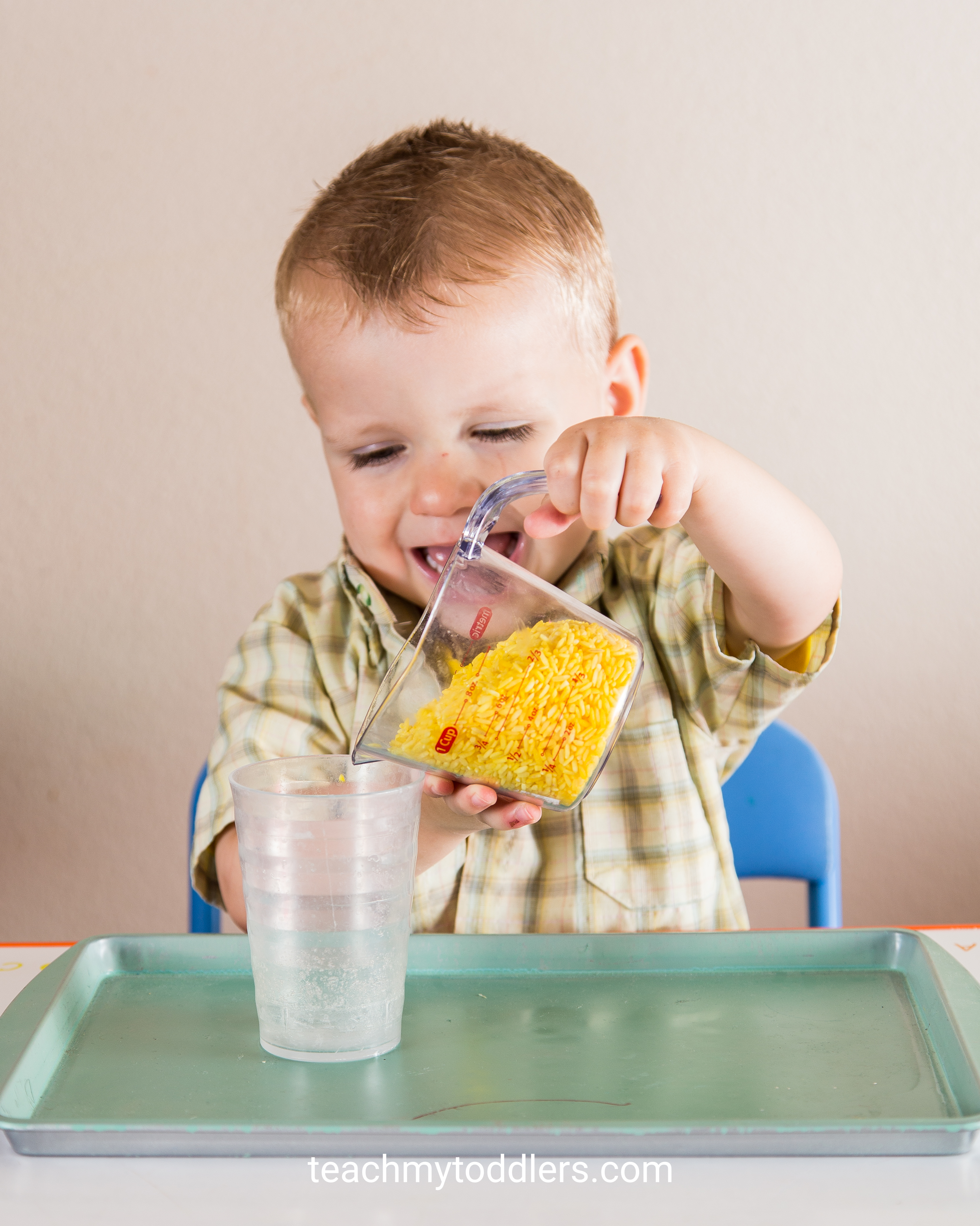 Discover how to use these yellow tot trays to teach your toddlers the color yellow