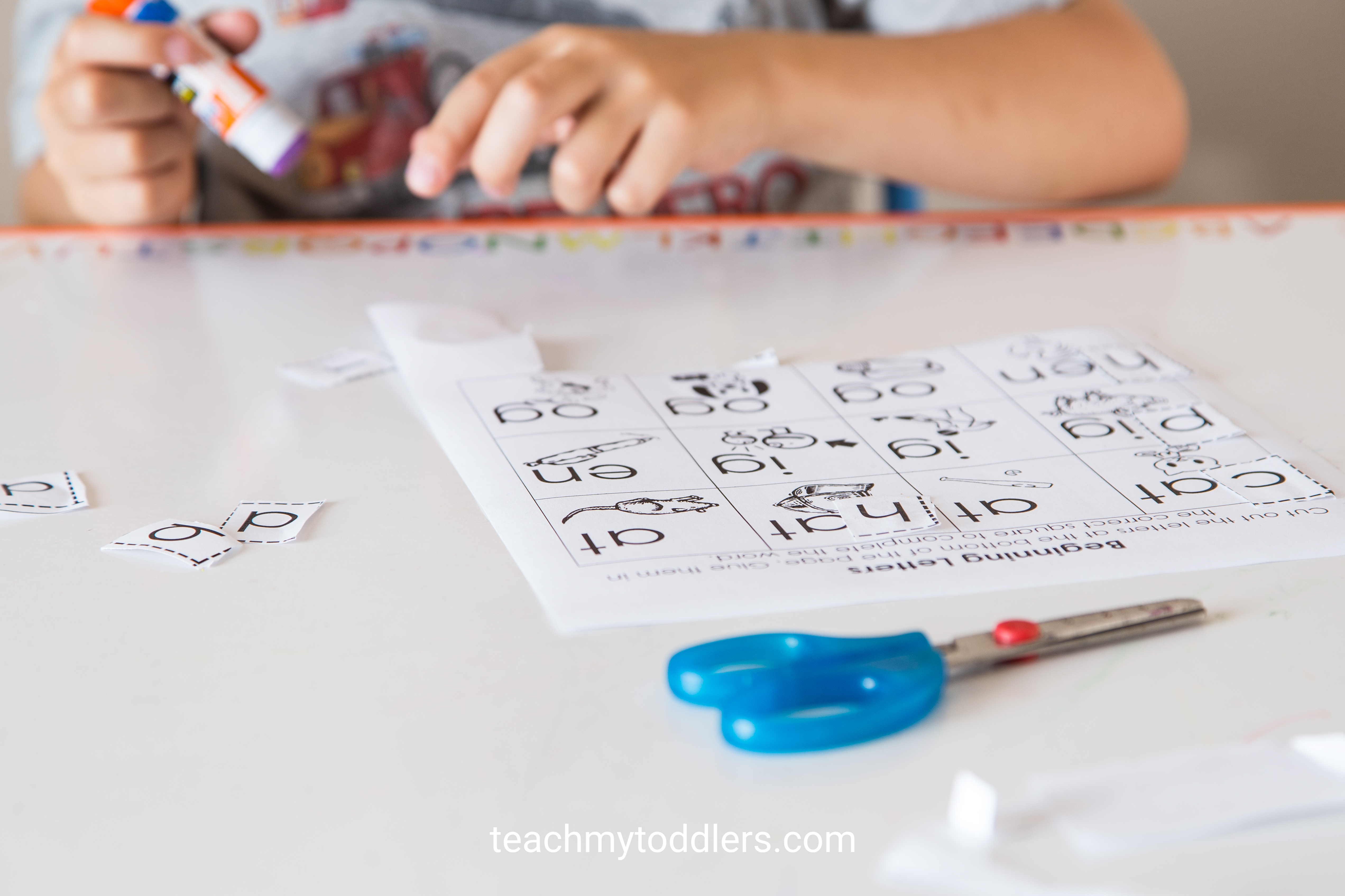 Discover how to use this cut and paste activity to teach your preschoolers about letters