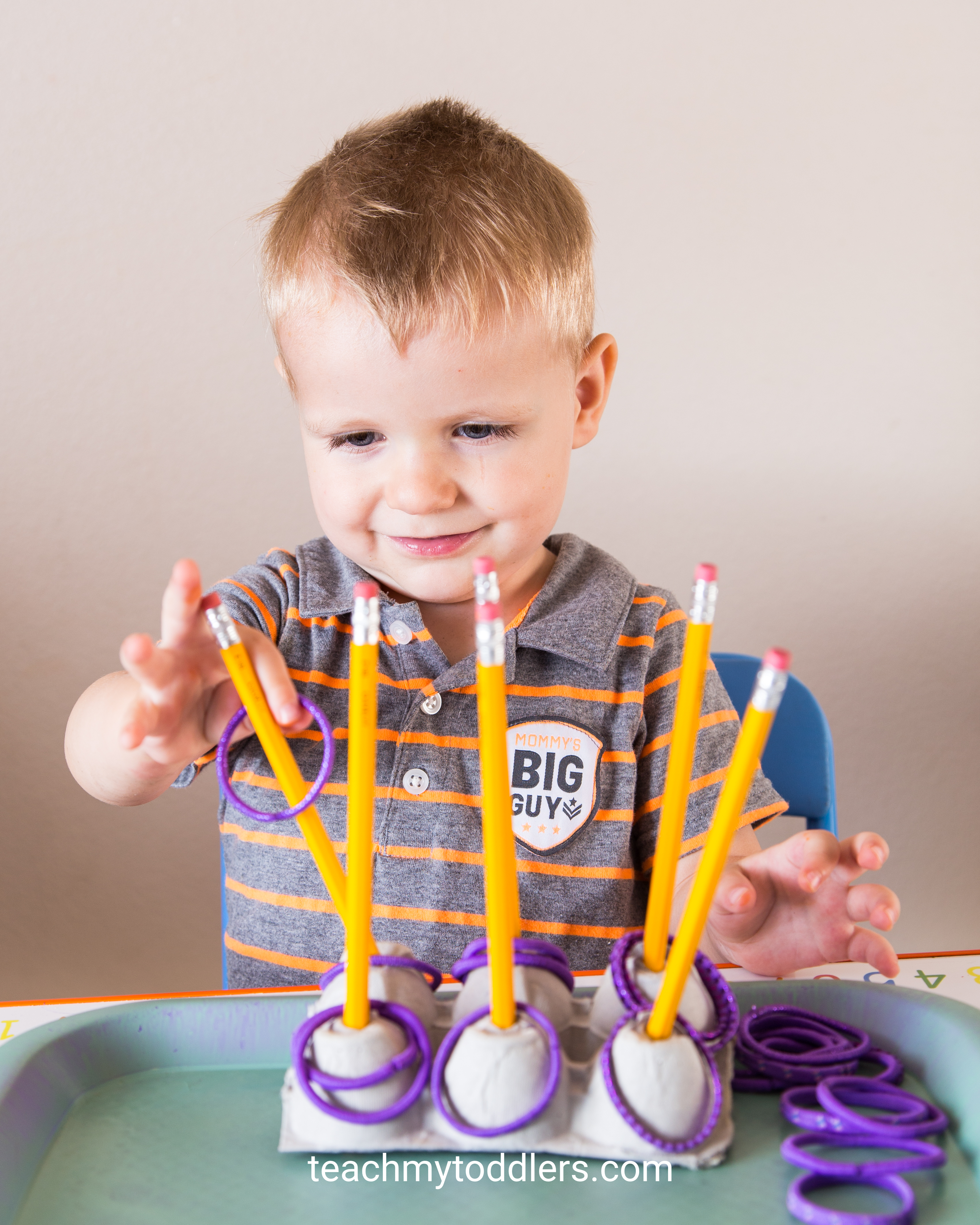 Find out how to teach toddlers the color purple with these tot tray activities