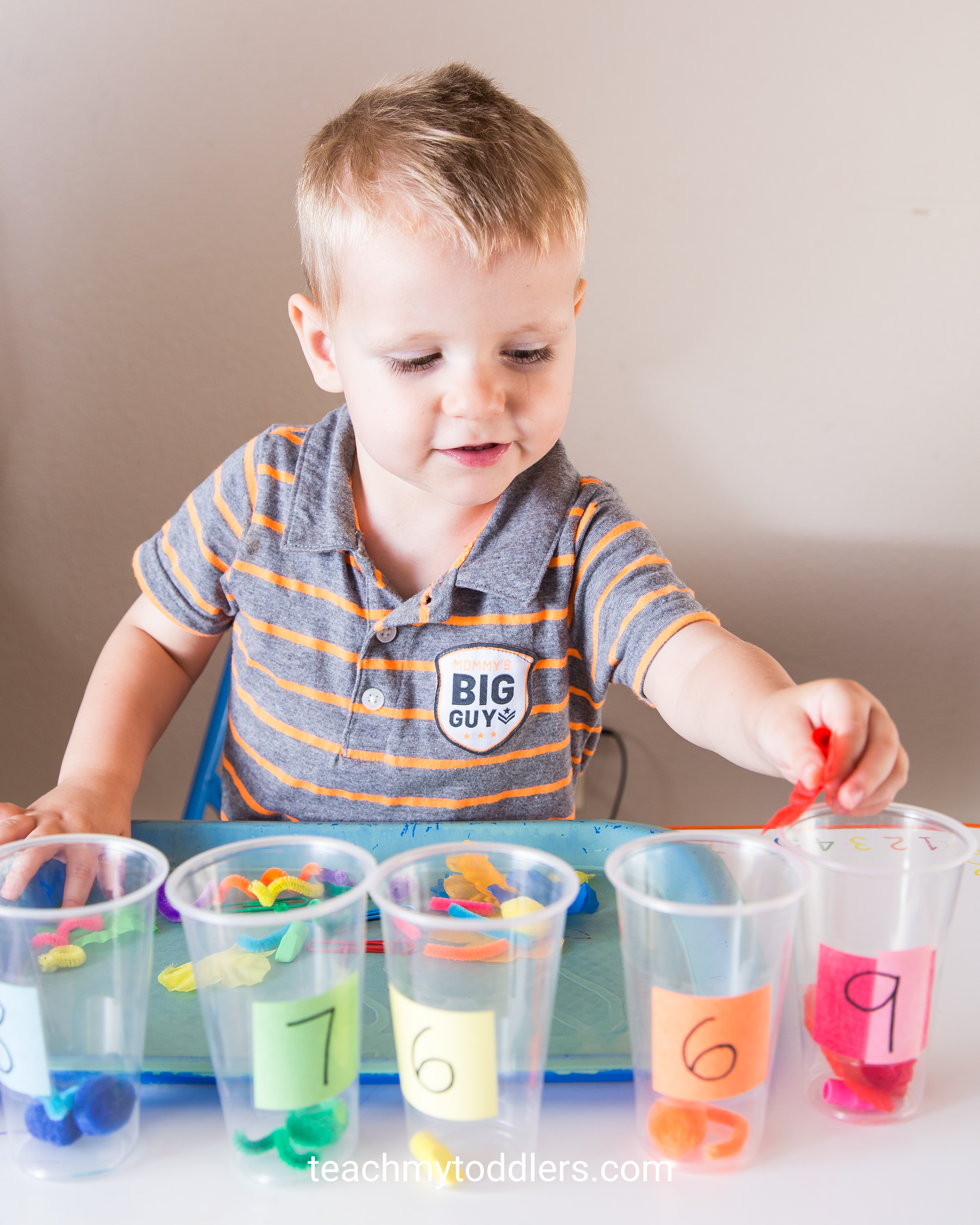 Find out how to teach your toddlers the color purple with these tot tray activities