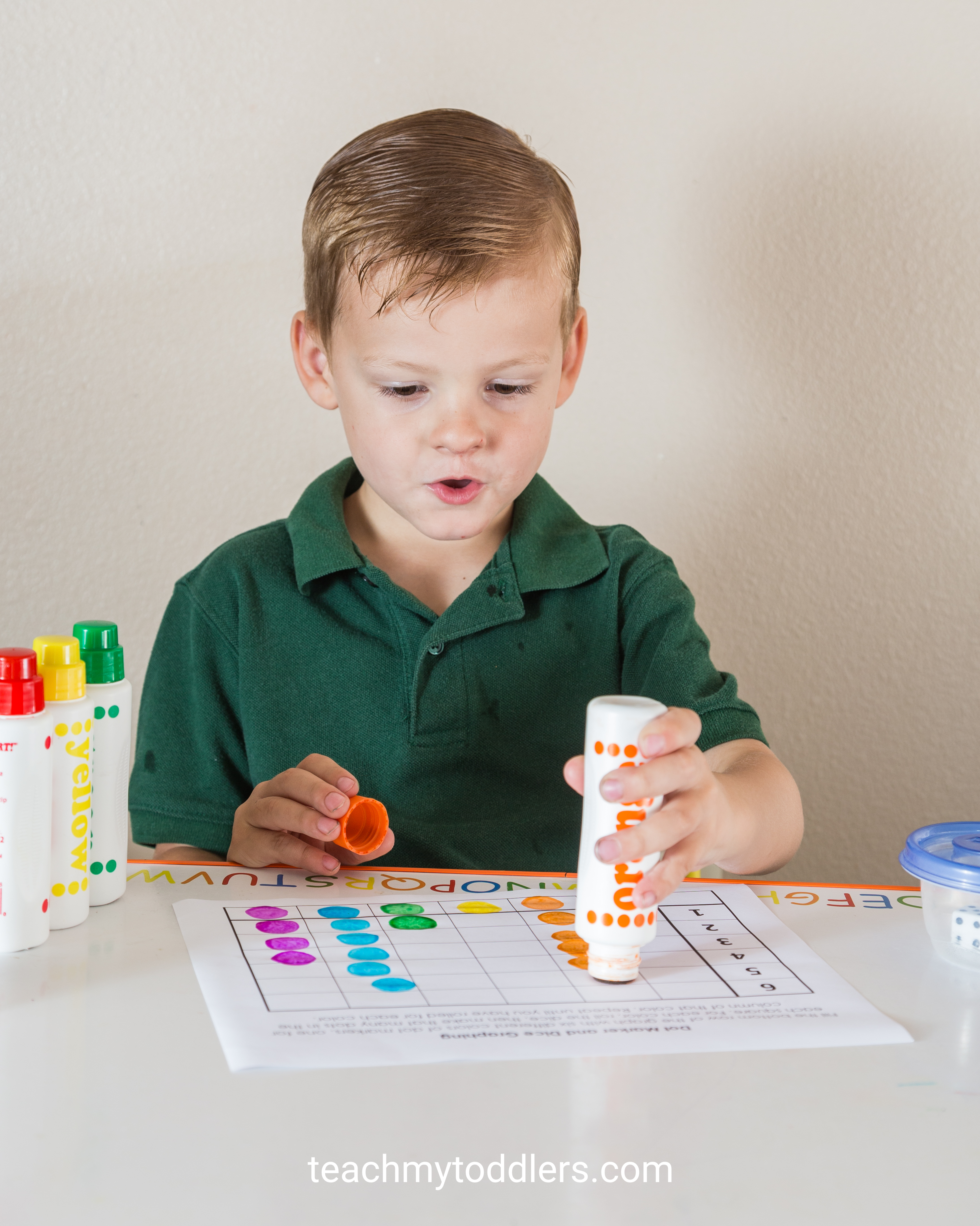 Discover how to use this dot marker dice graph activity to teach your toddlers numbers