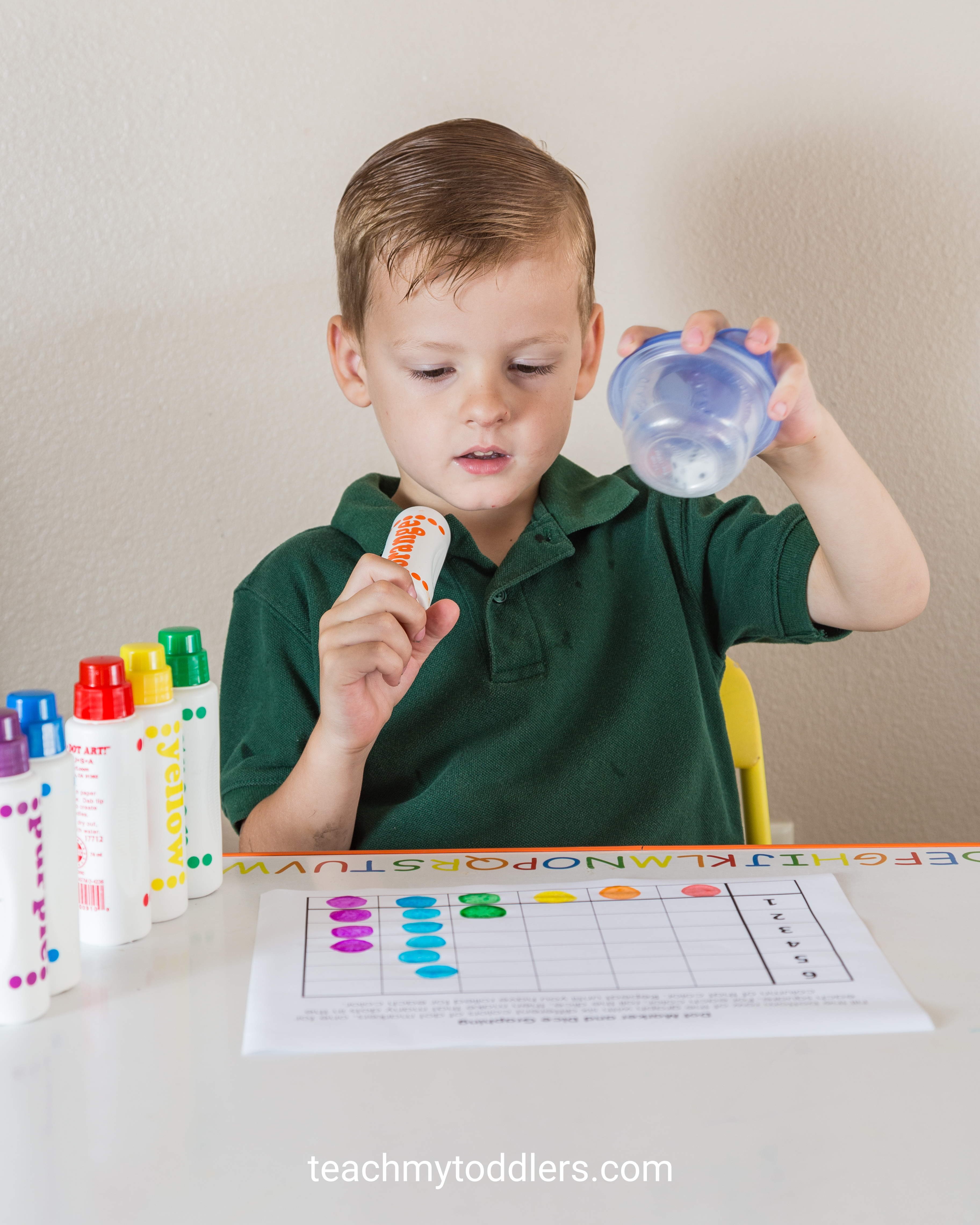 Find out how to use this dot marker dice graph activity to teach toddlers numbers