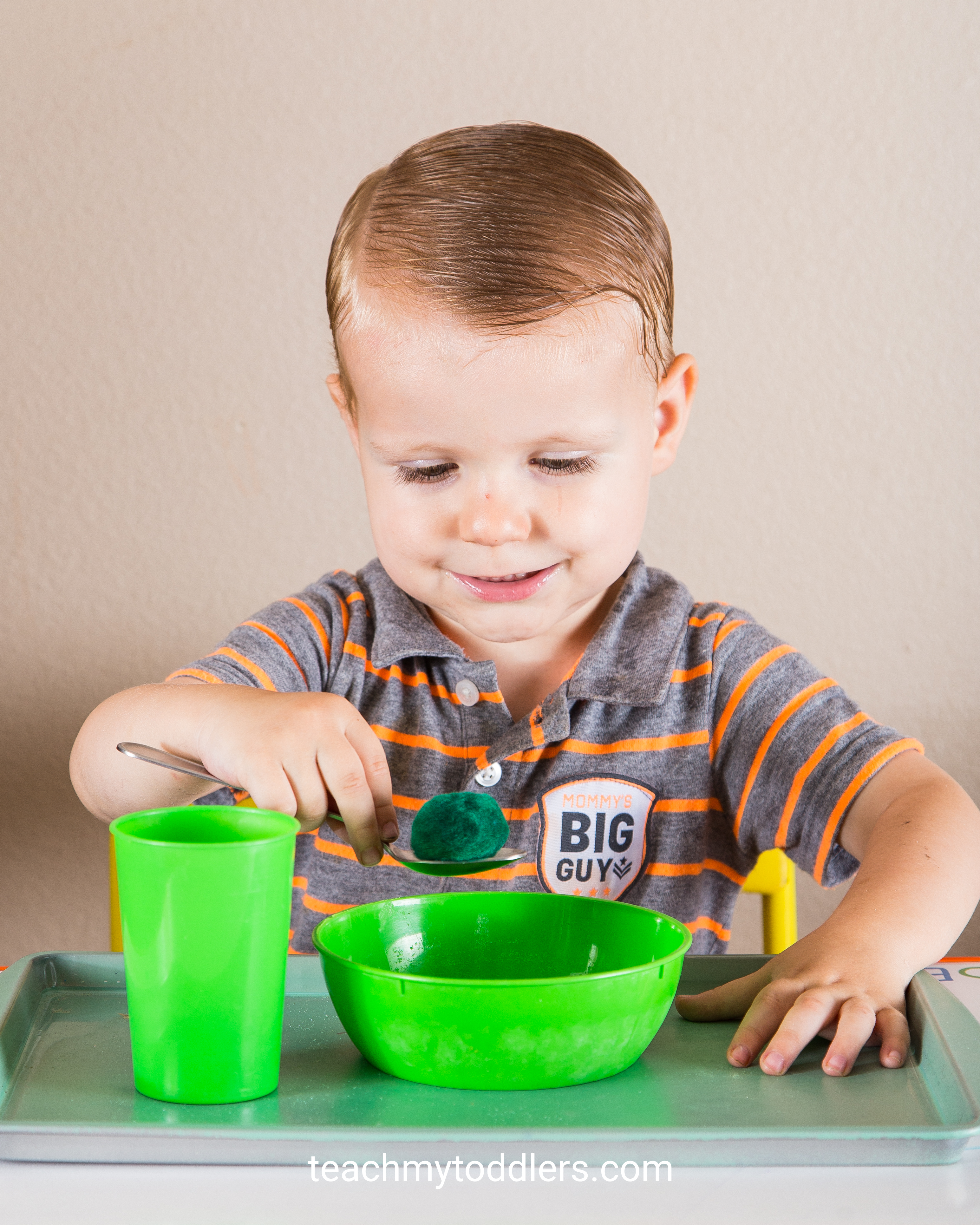 These green tot trays are a good way to teach toddlers the color green