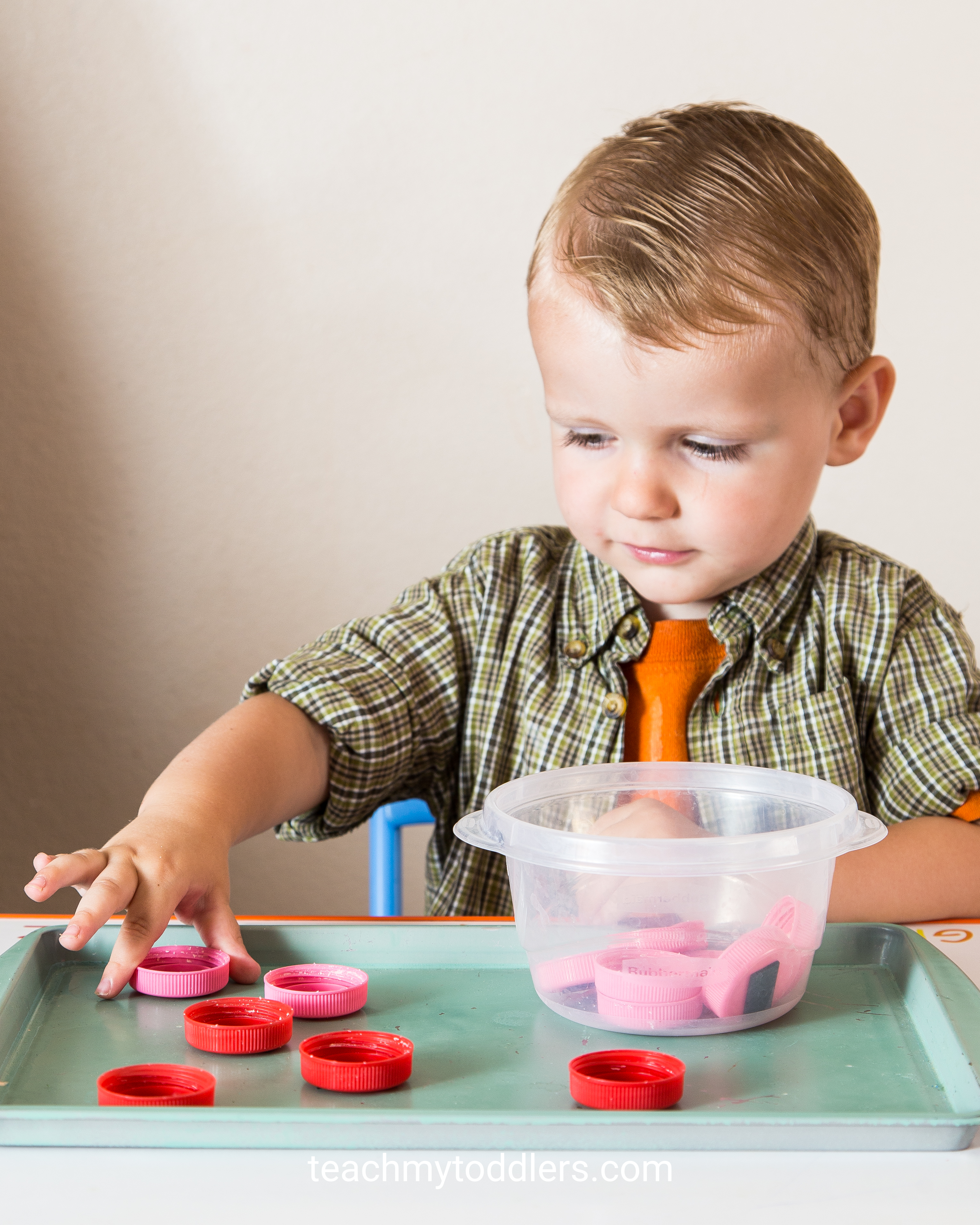 These red tot trays will help teach your toddlers the color red