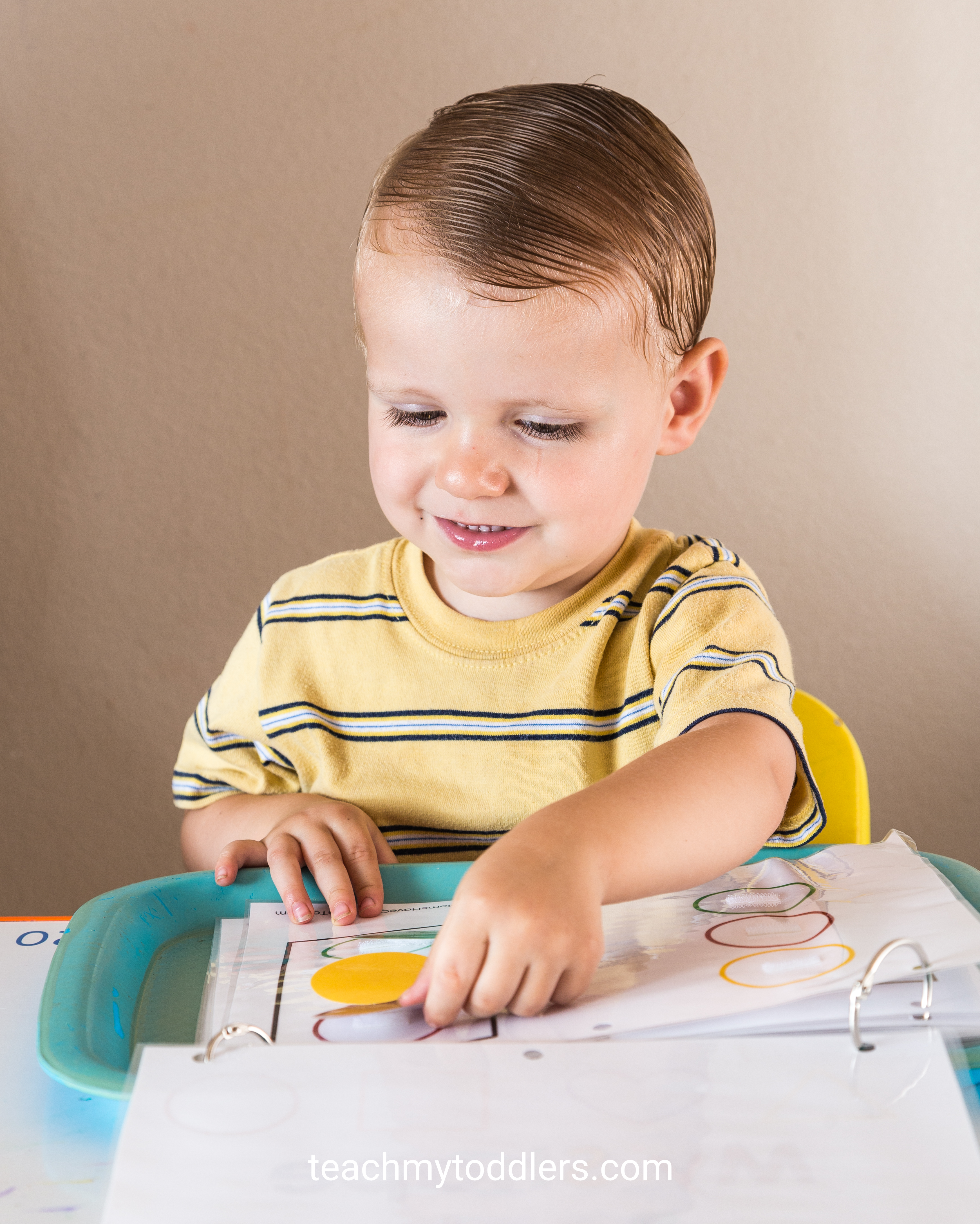 Find out how to use these circle trays to teach your toddlers shapes