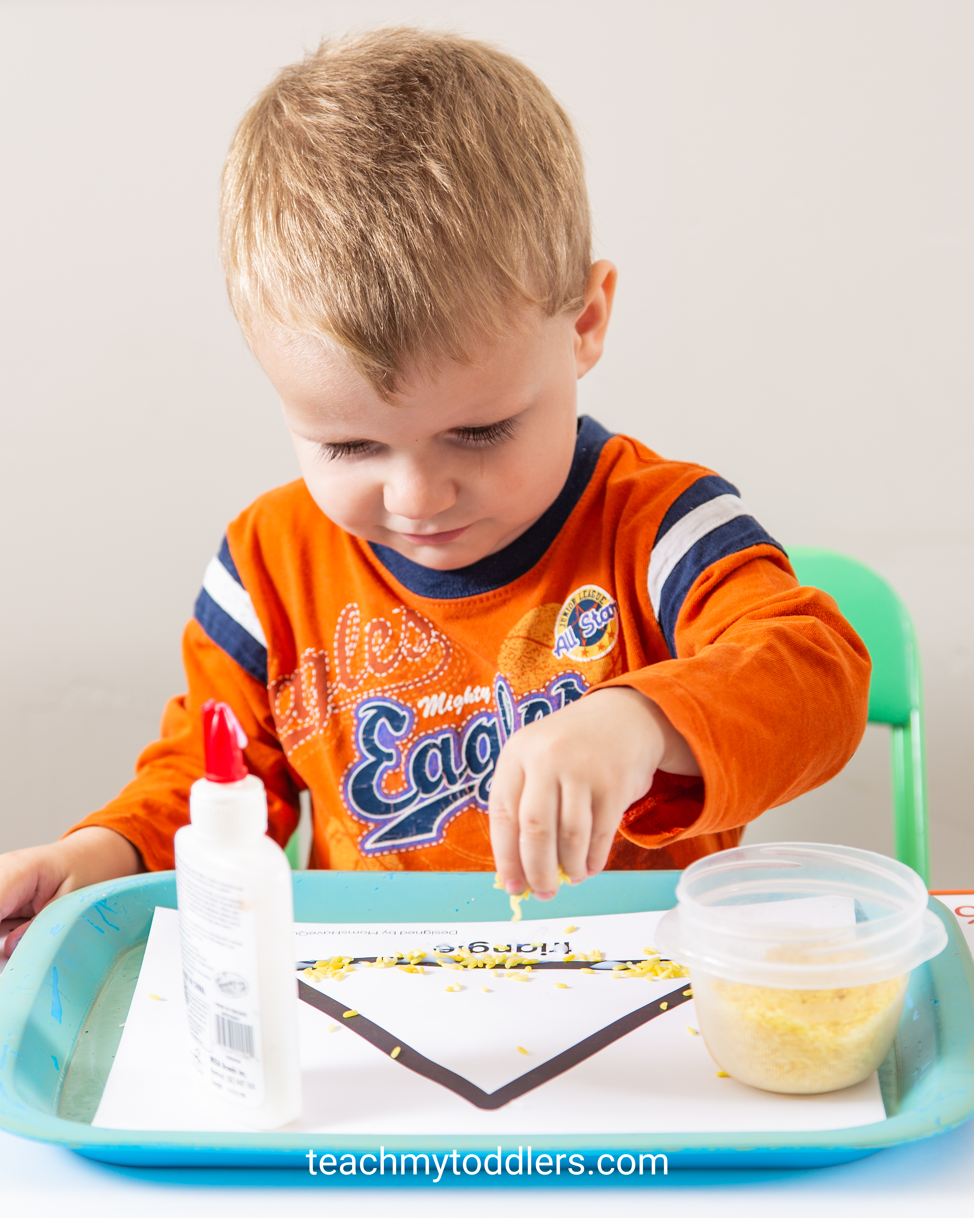 Use these fun triangle trays to teach your toddlers shapes