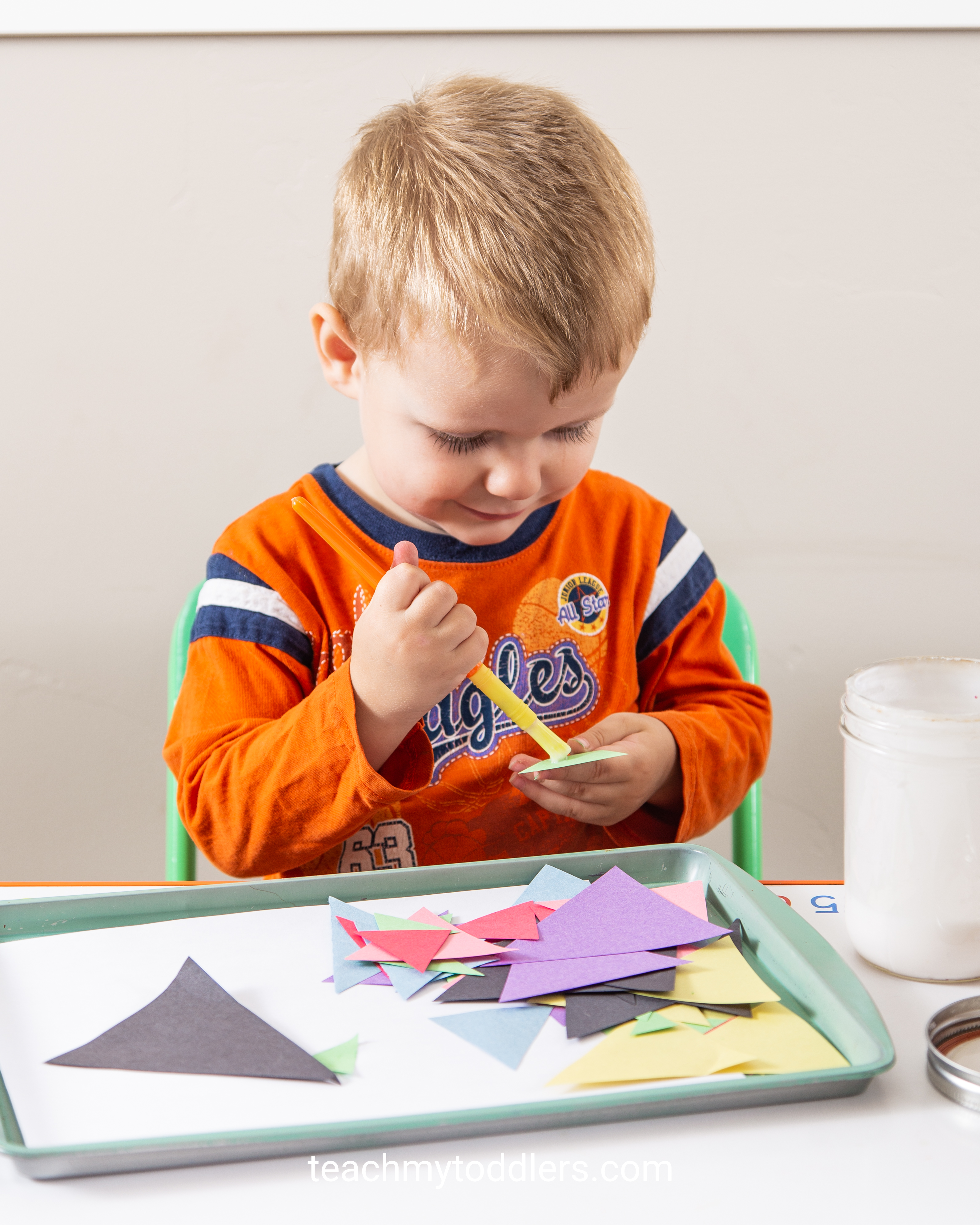Use these great triangle trays to teach your toddlers shapes