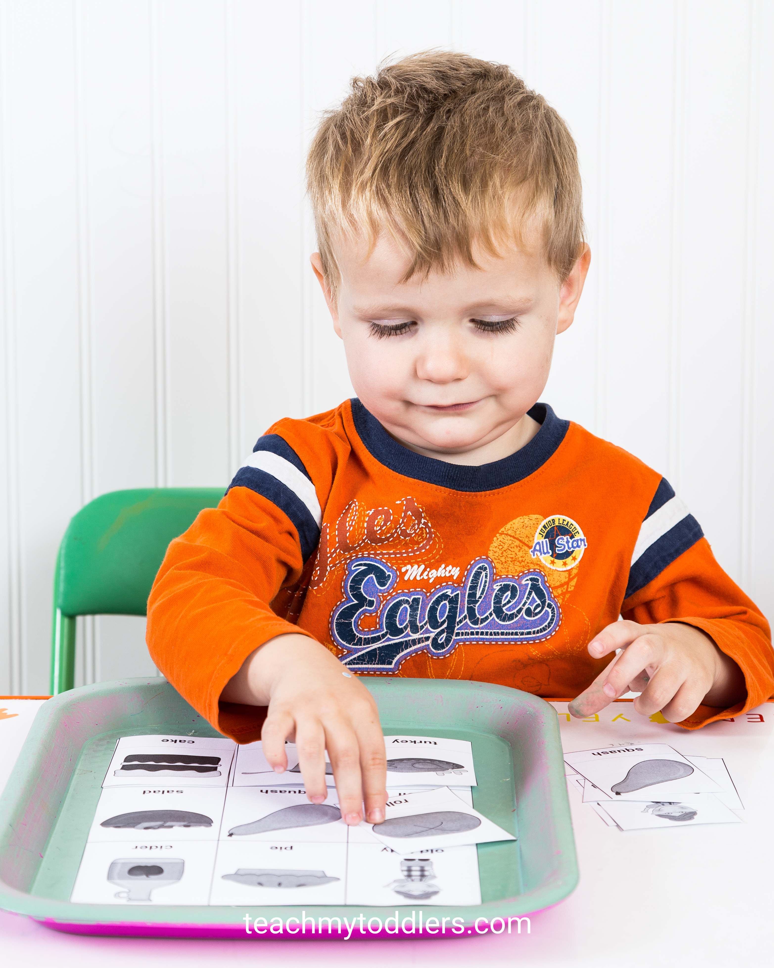 Use these great thanksgiving activities to teach toddlers about thanksgiving