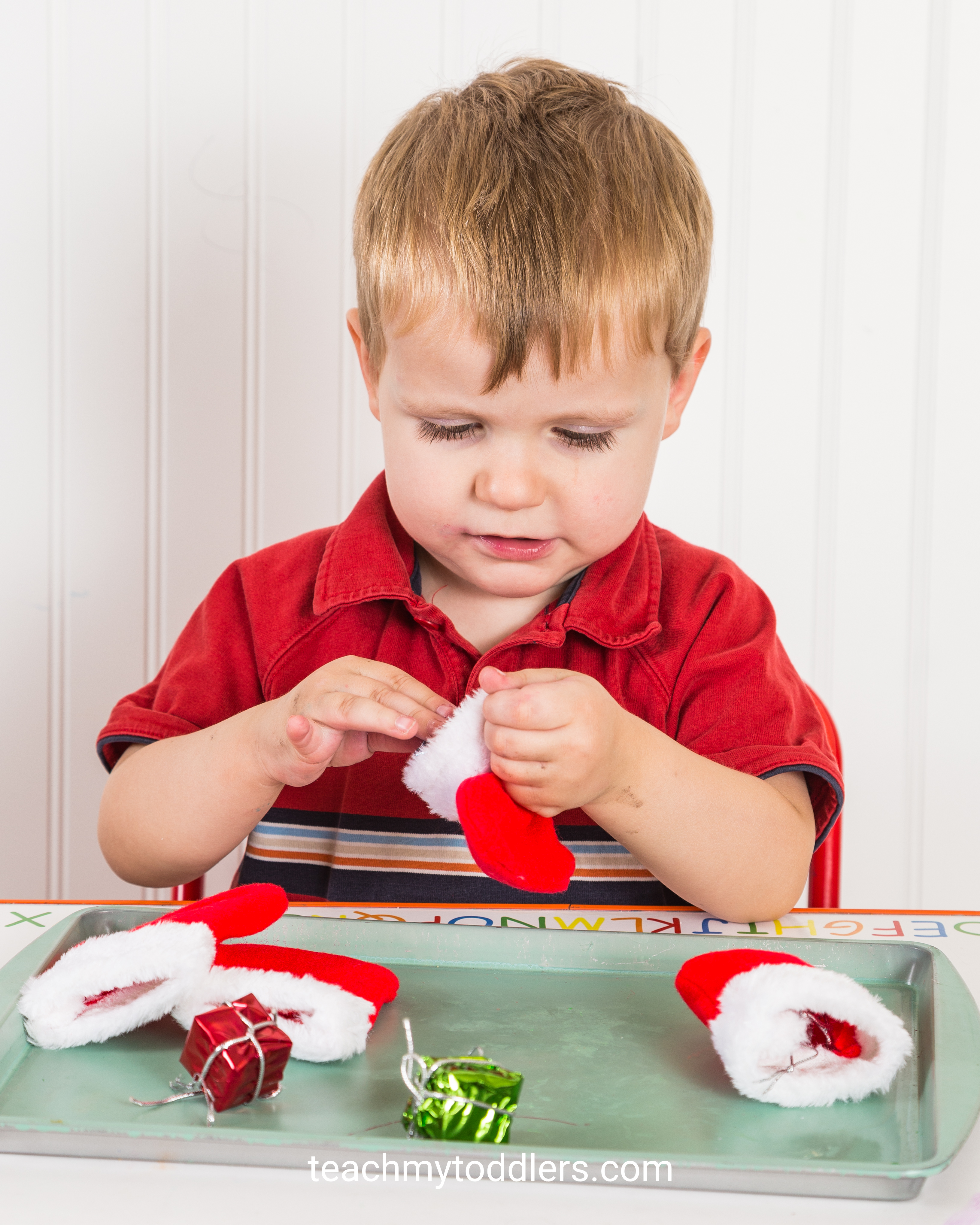 Use these fun christmas activities to teach toddlers about christmas