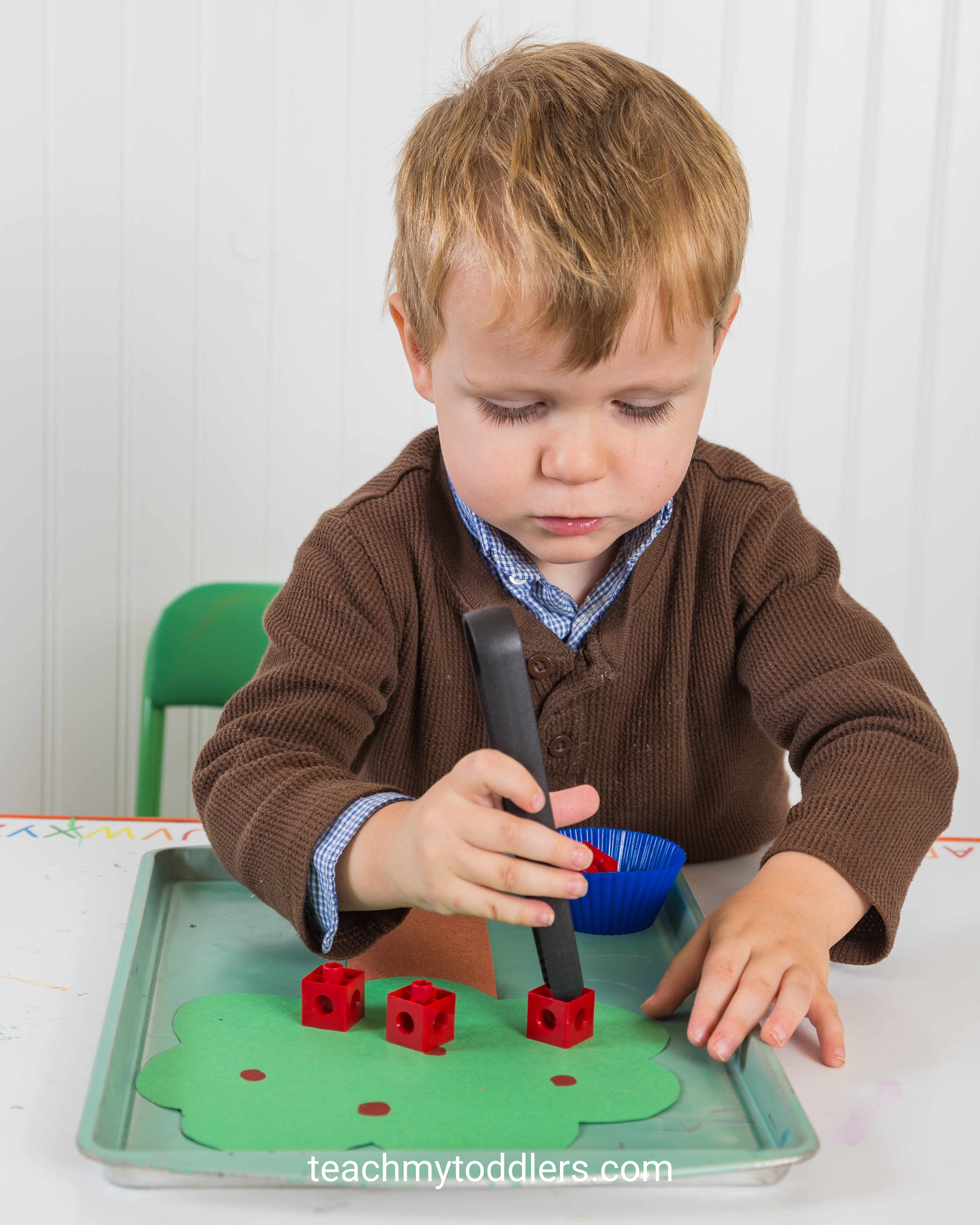These games are awesome in teaching your toddlers the letter a is for apples