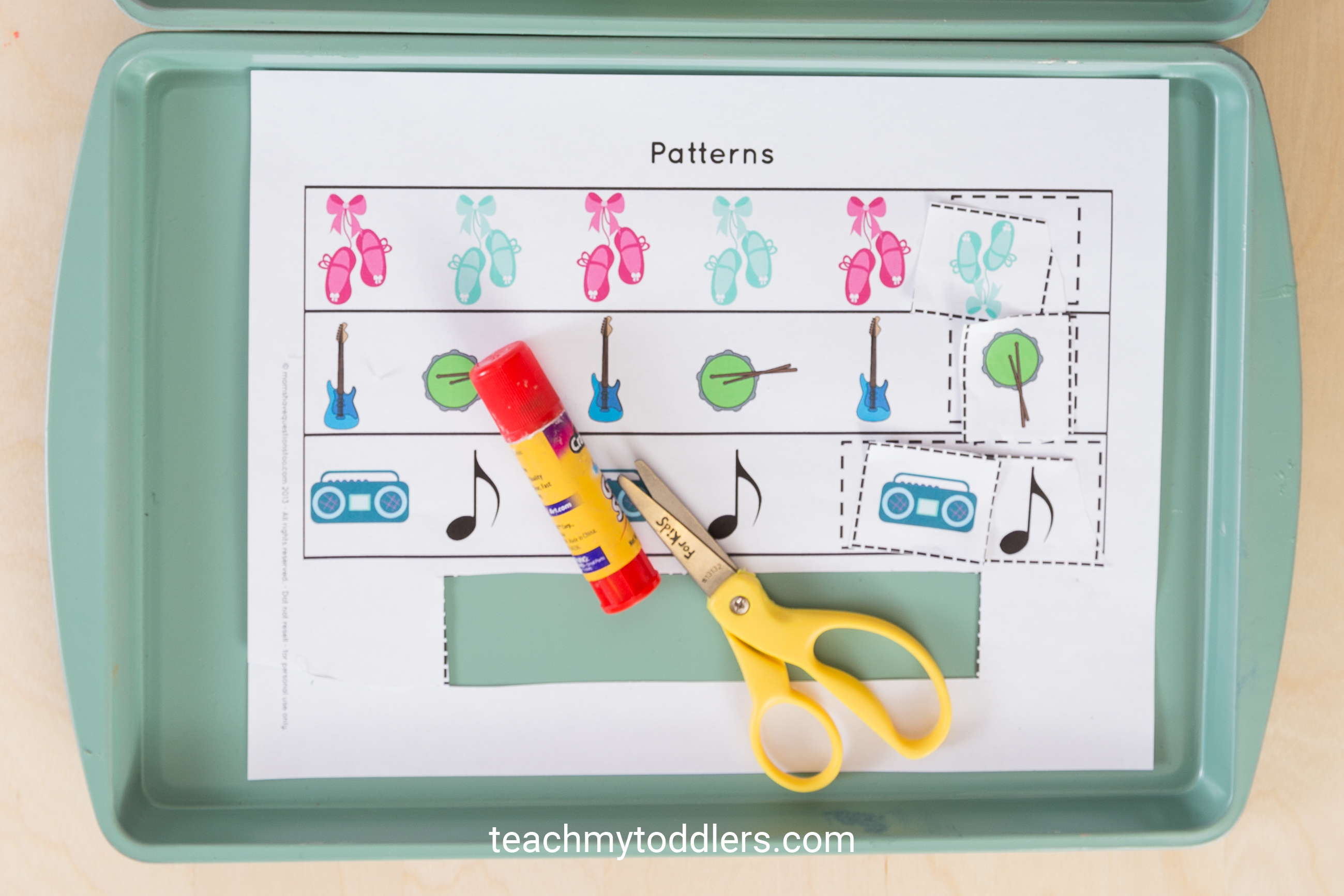 Learn how to use this d is for dance activities to teach toddlers the letter d
