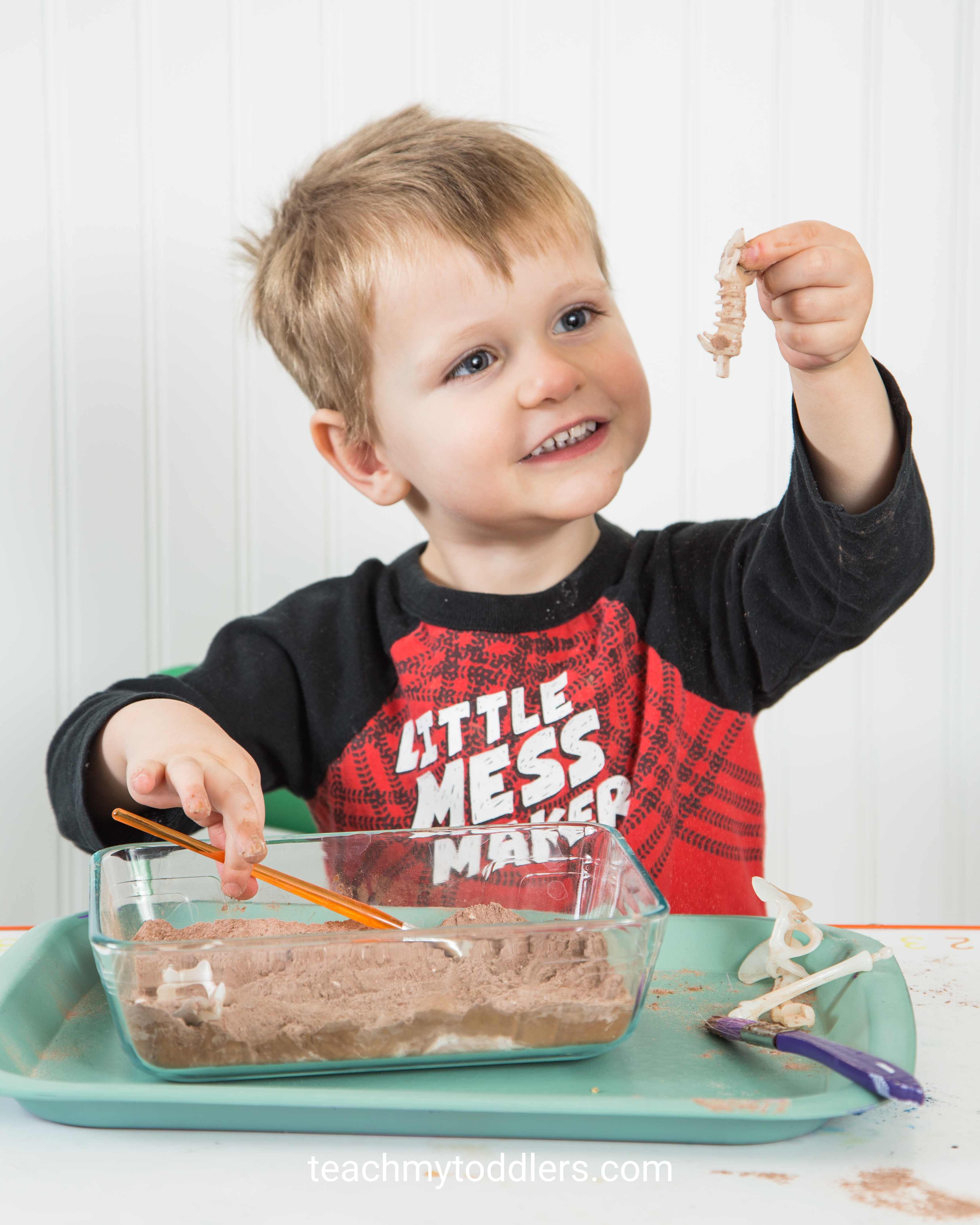 Teach your toddlers the letter e with these fun activities about e is for extinct