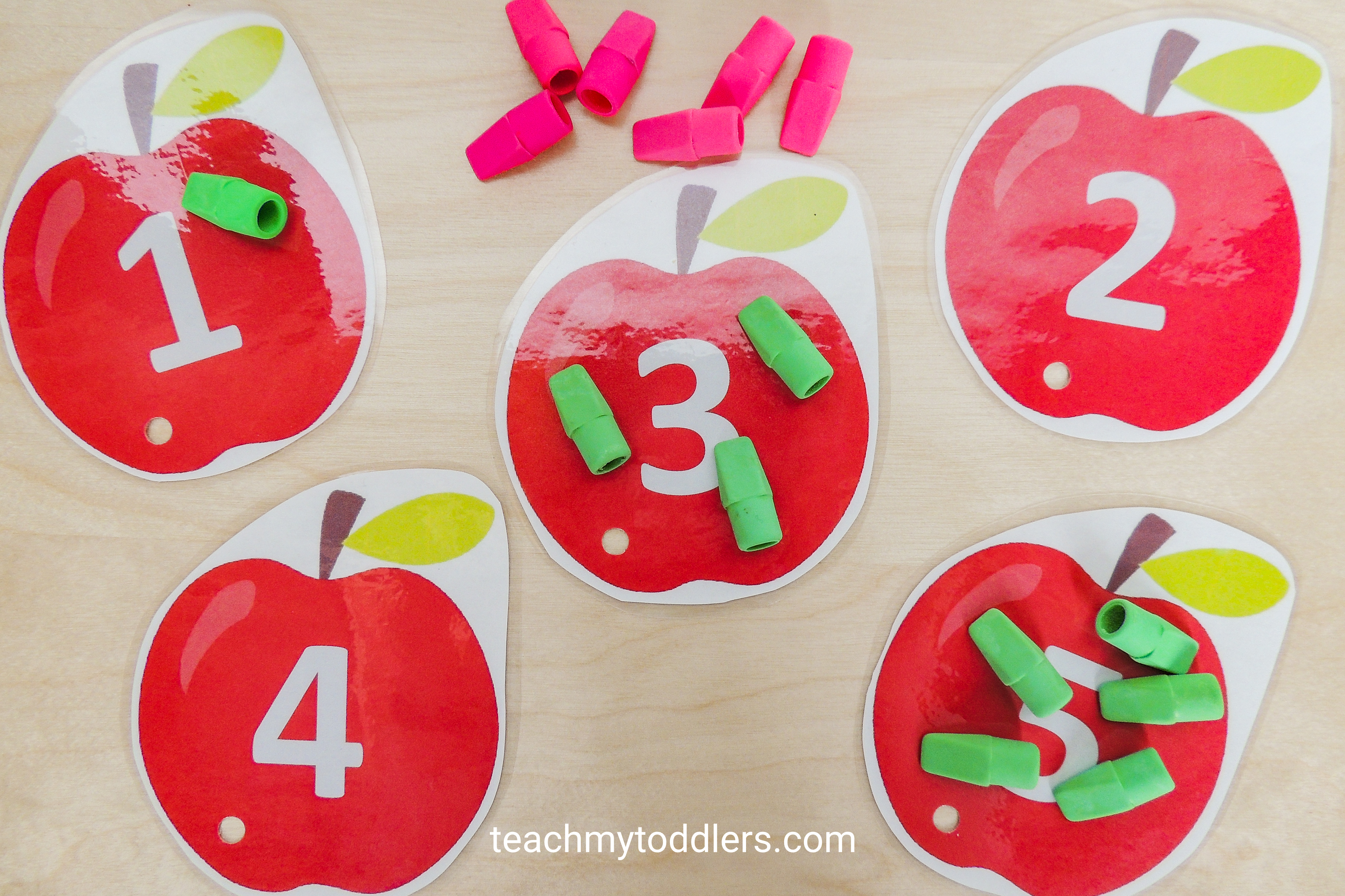 Find out how to use these clip cards to teach your toddlers numbers