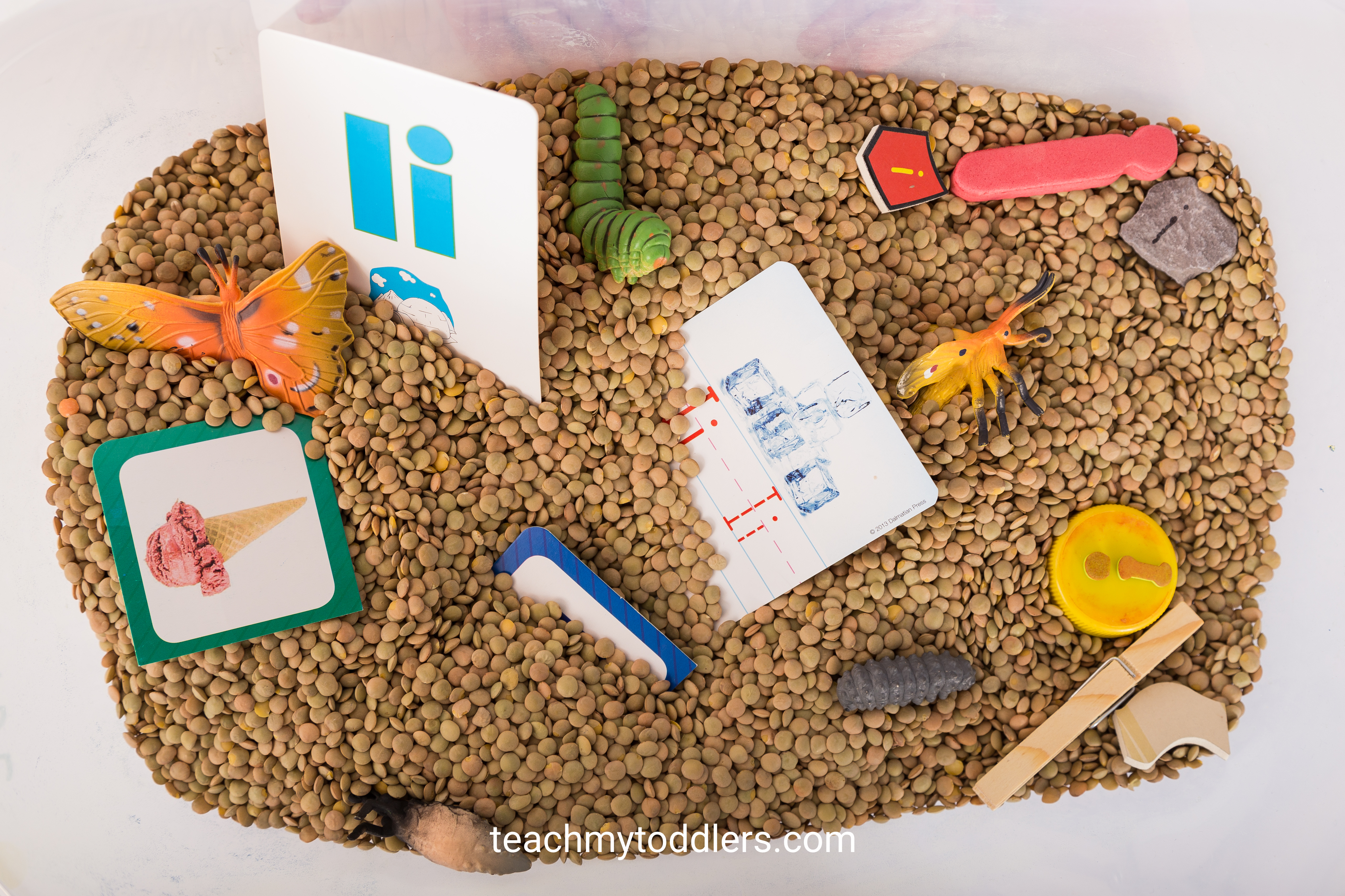 Find out how to use these i is for insect activities to teach toddlers the letter i