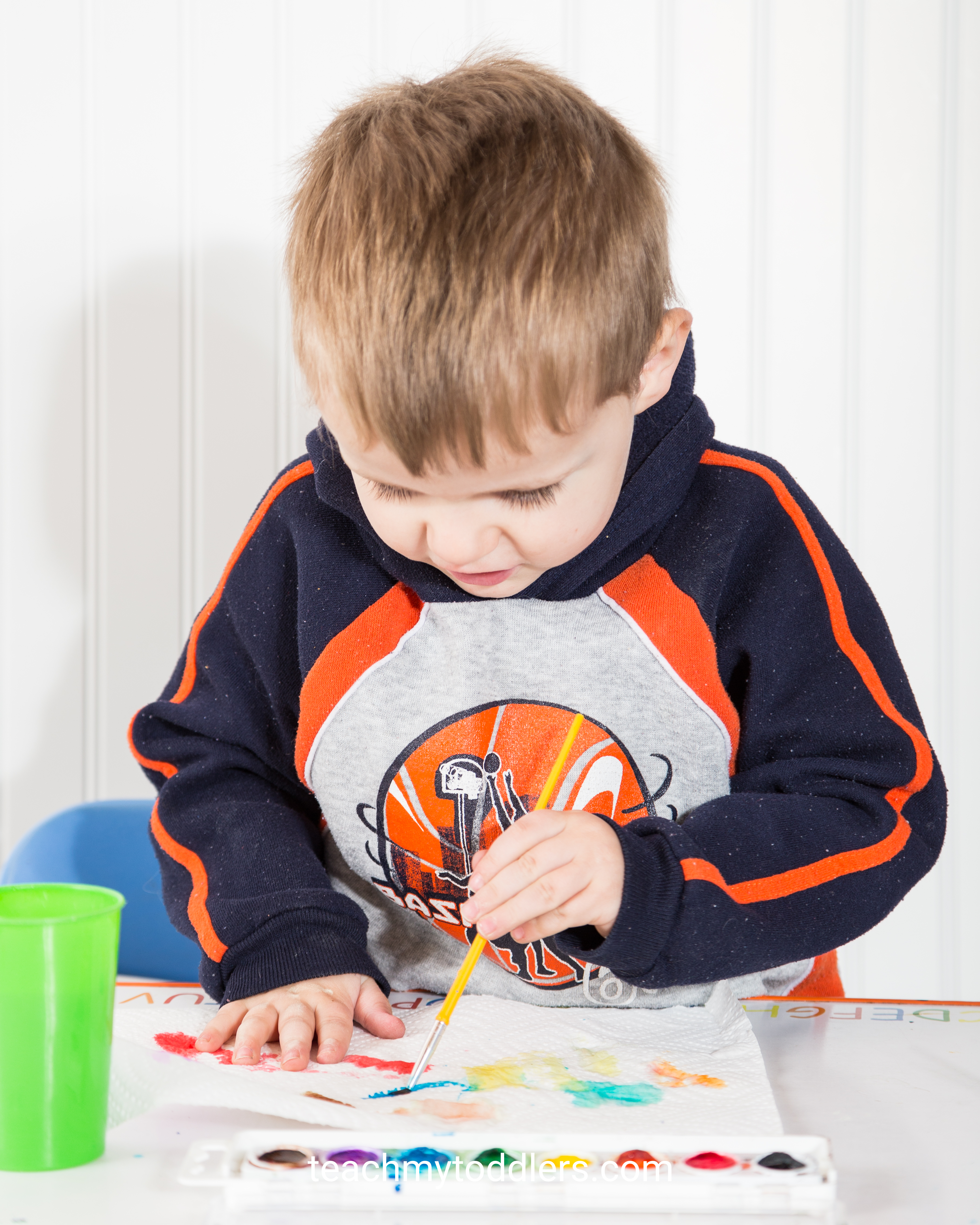 Learn how to use these i is for insect activities to teach toddlers the letter i