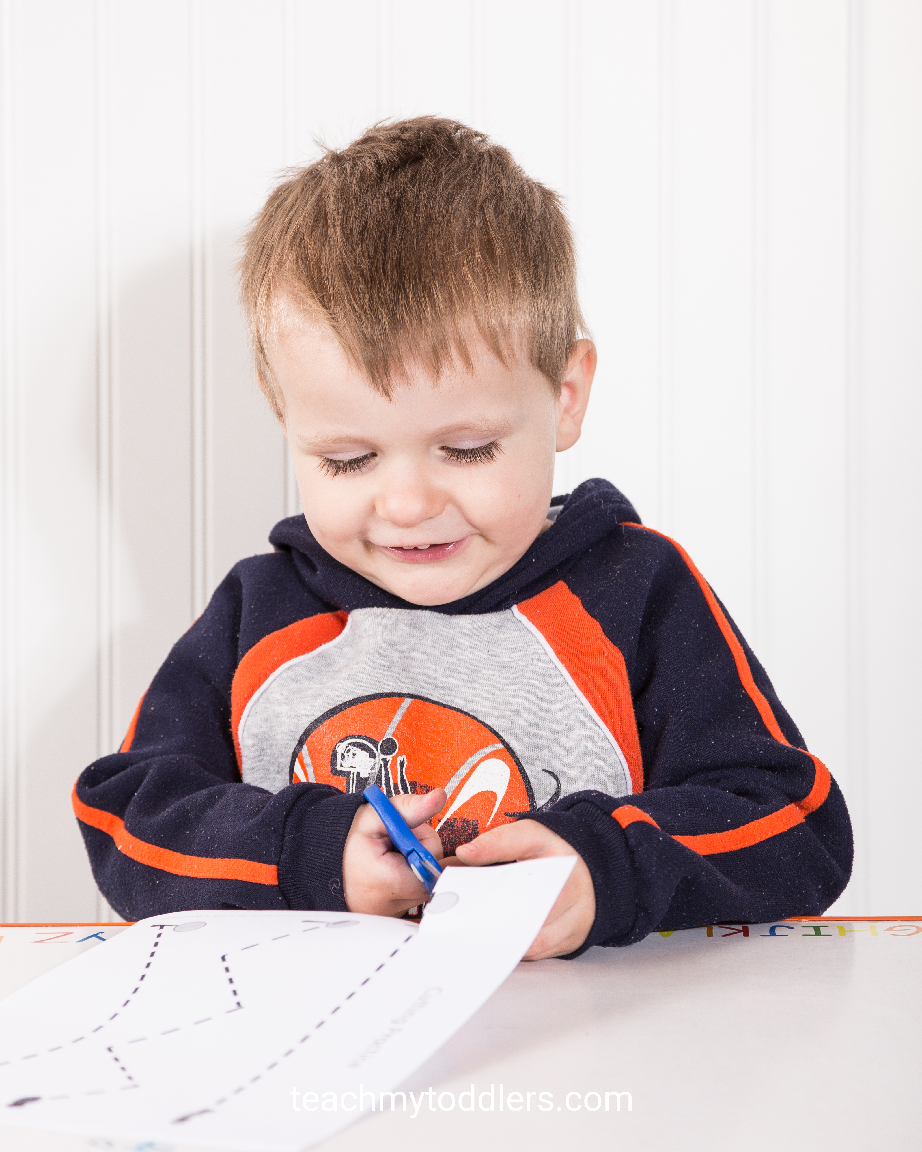 Teach toddlers the letter i using these fun insect activities