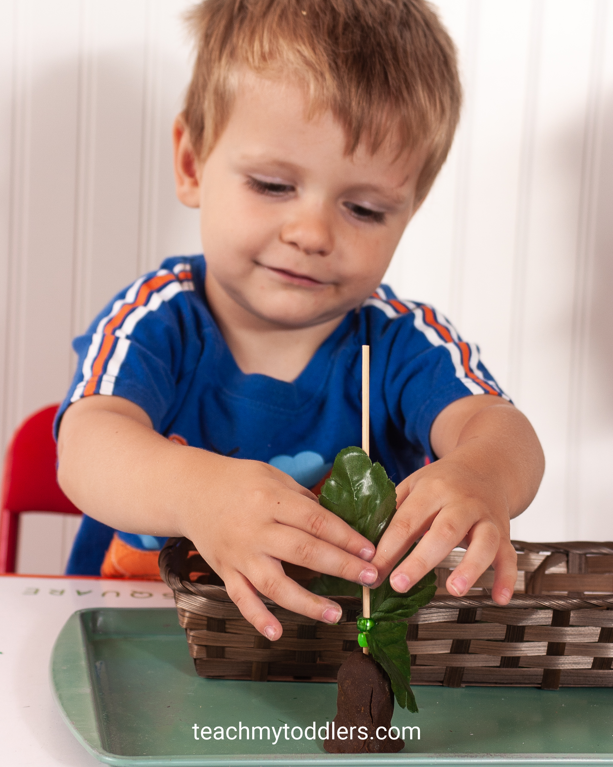 Teach your toddlers the letter j with these unique jungle activities