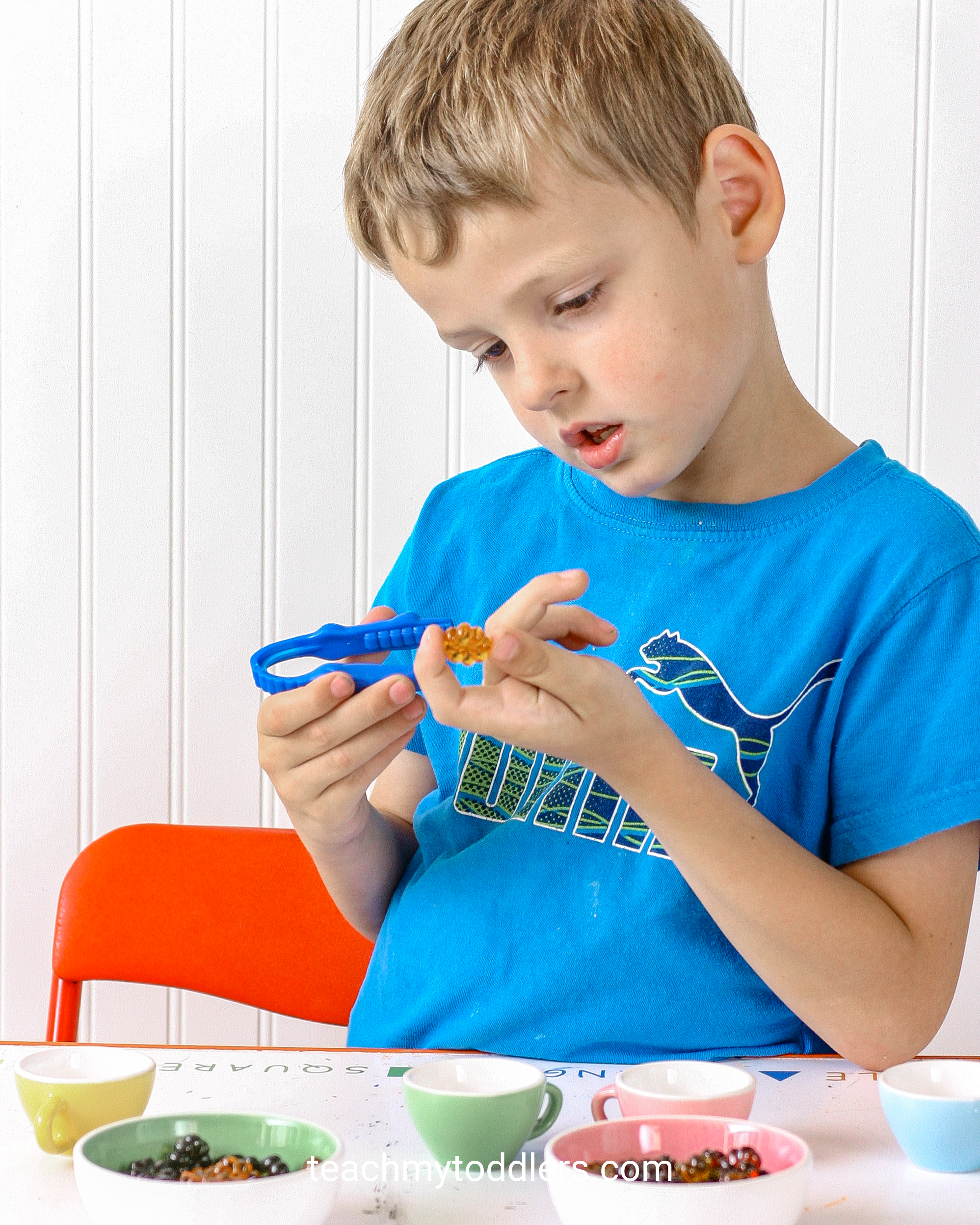 Find out how to use these great table scatter activities to teach your toddlers math