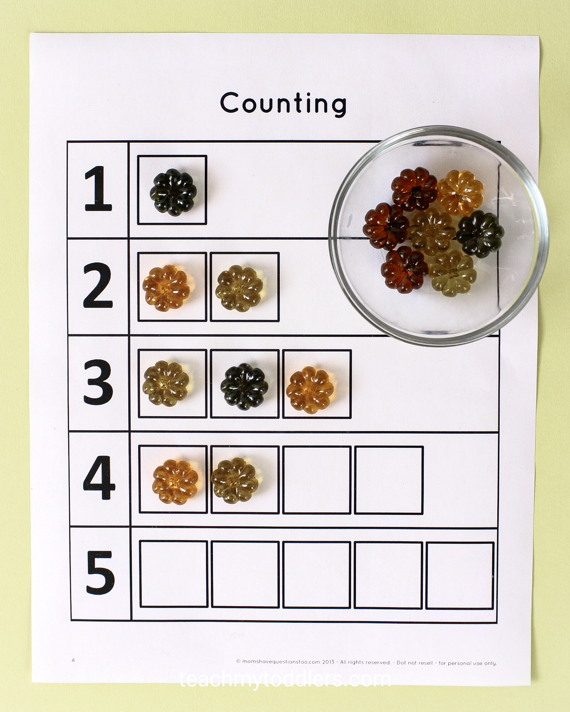Use these awesome table scatter activities to teach your toddlers math
