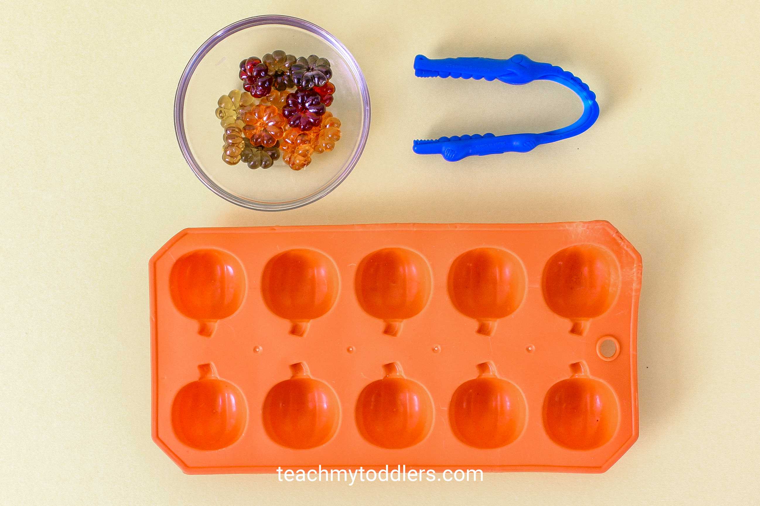 Use these fun table scatter activities to teach your toddlers math